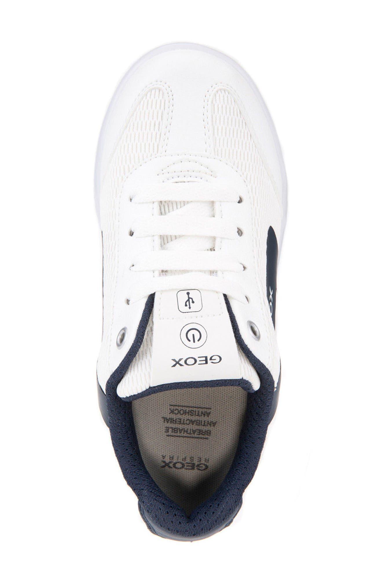 Kommodor Light-Up Low Top Sneaker,                             Alternate thumbnail 5, color,                             WHITE/ NAVY