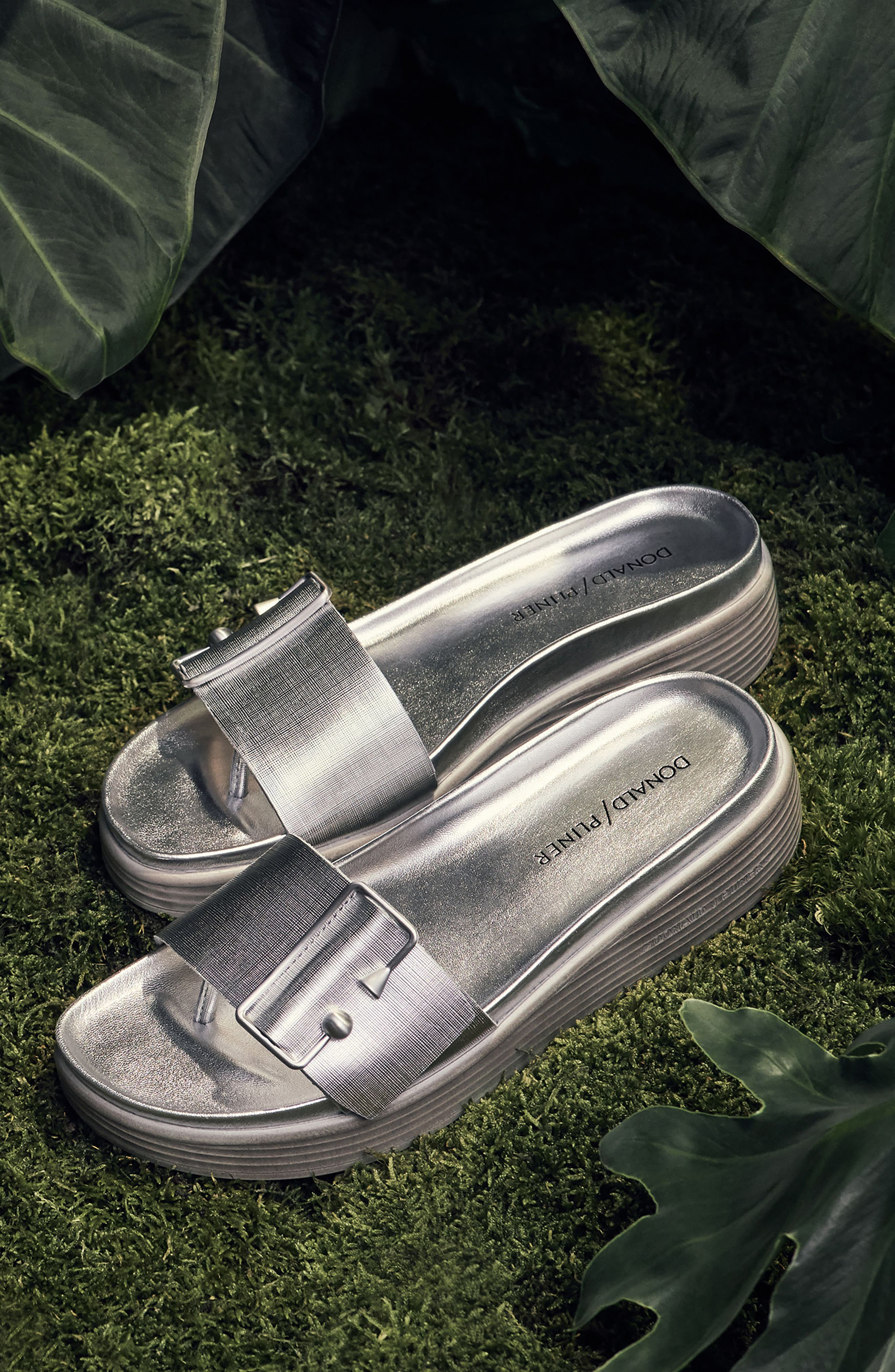 Fara Platform Slide Sandal,                             Alternate thumbnail 7, color,                             001