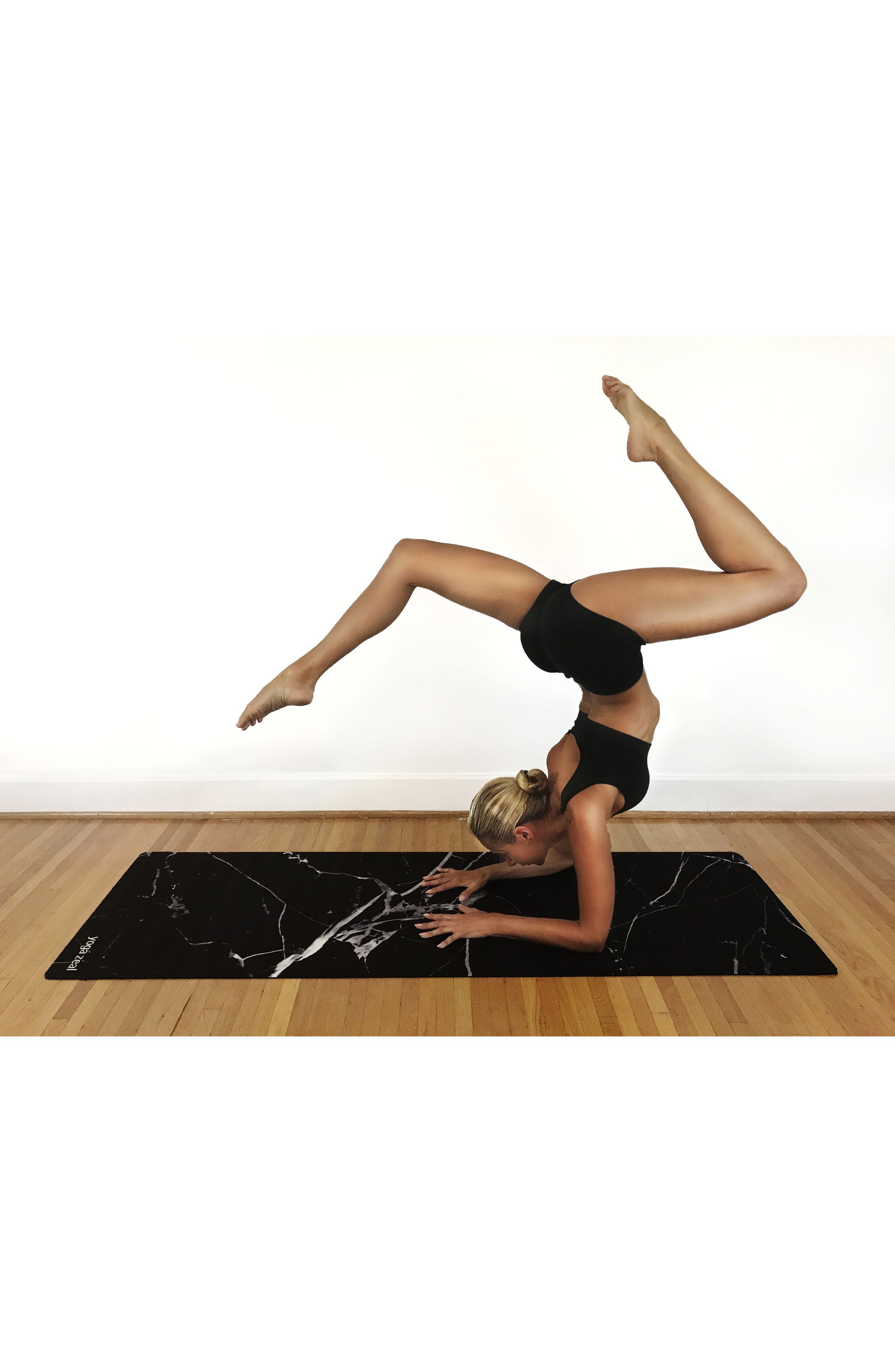 Marble Print Yoga Mat,                             Alternate thumbnail 2, color,                             BLACK MARBLE