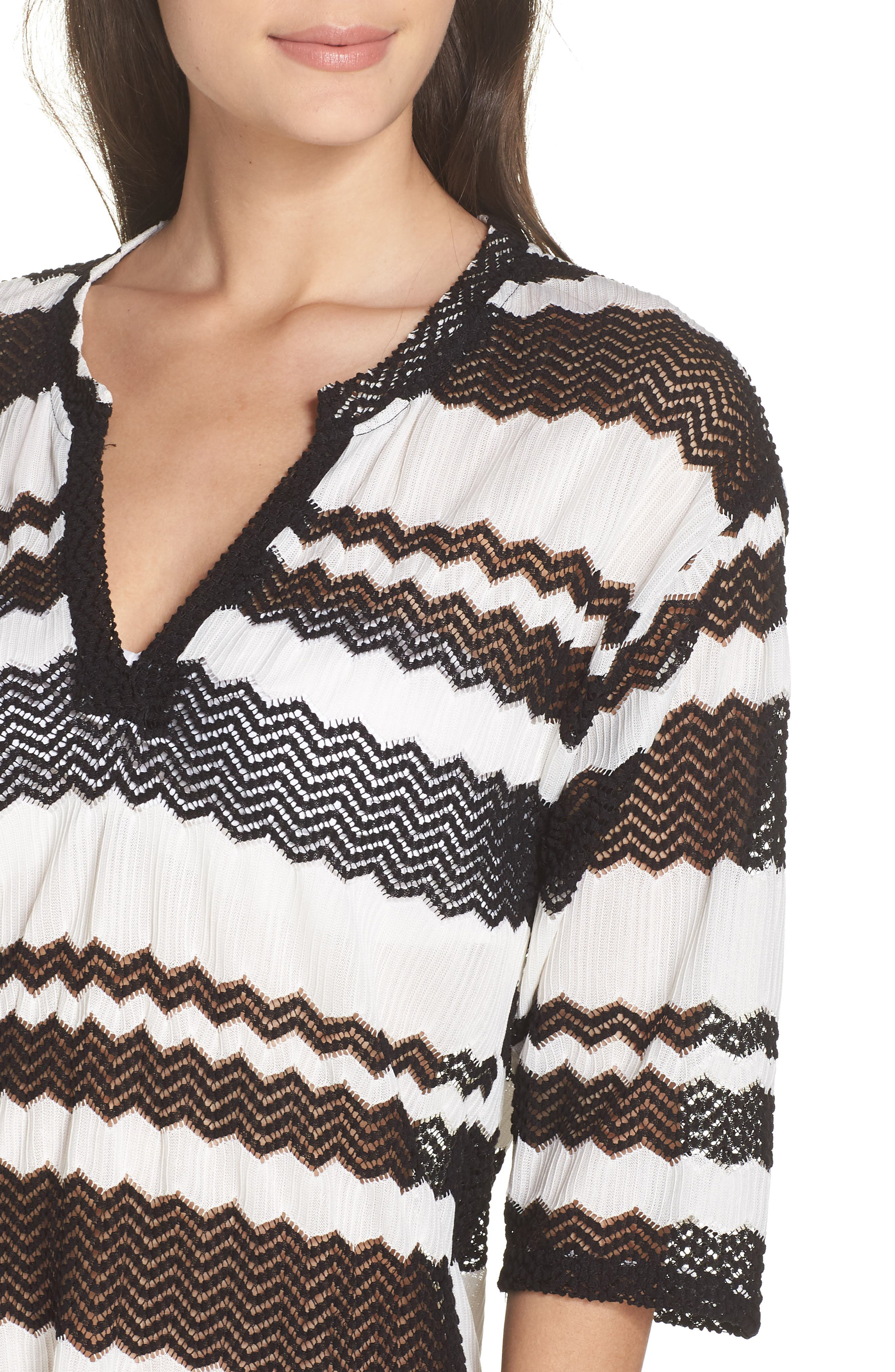 V-Neck Cover-Up Tunic,                             Alternate thumbnail 4, color,                             BLACK AND WHITE