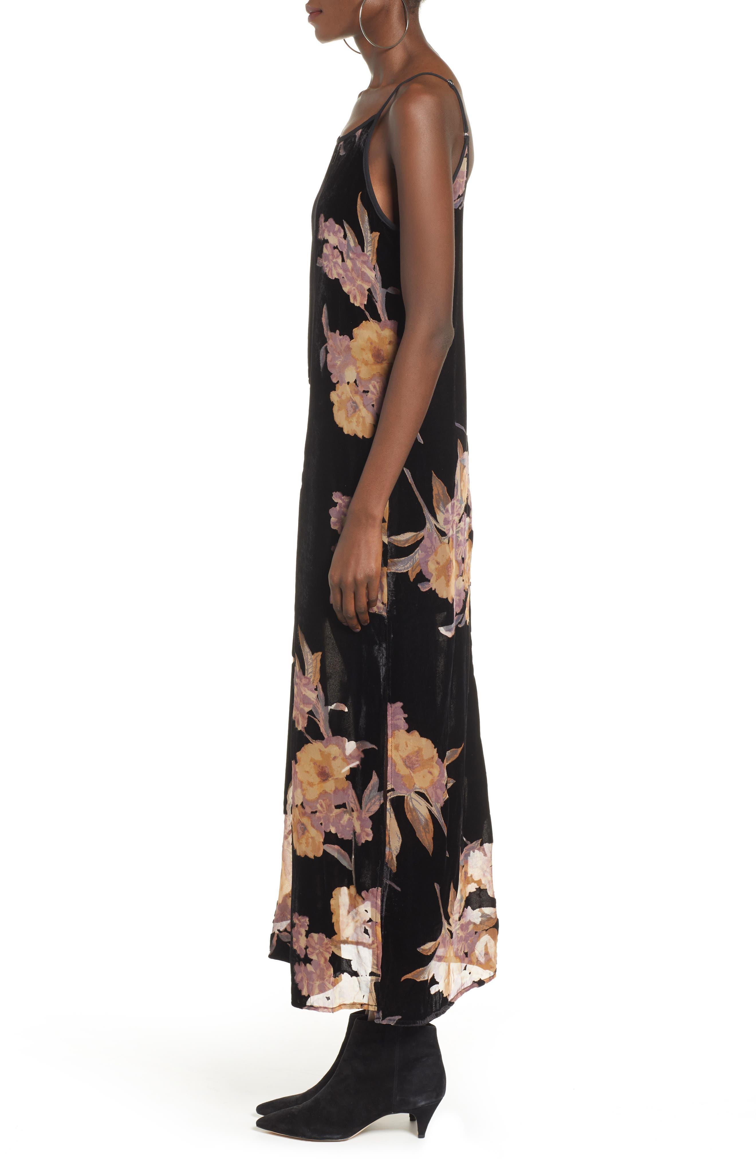 BAND OF GYPSIES,                             Mallorey Floral Print Velvet Dress,                             Alternate thumbnail 3, color,                             001