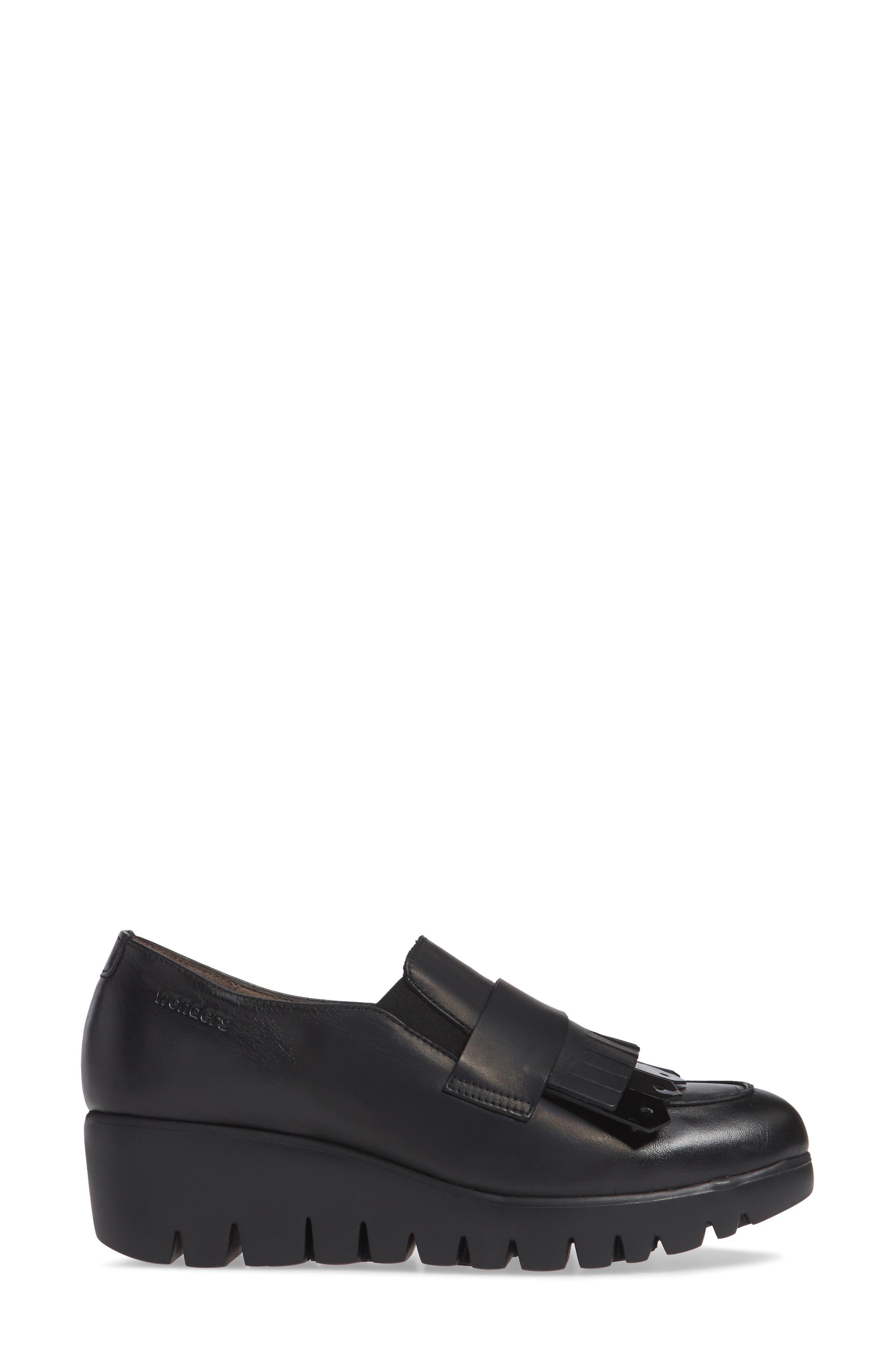 Kiltie Wedge Loafer,                             Alternate thumbnail 3, color,                             BLACK PATENT AND LEATHER