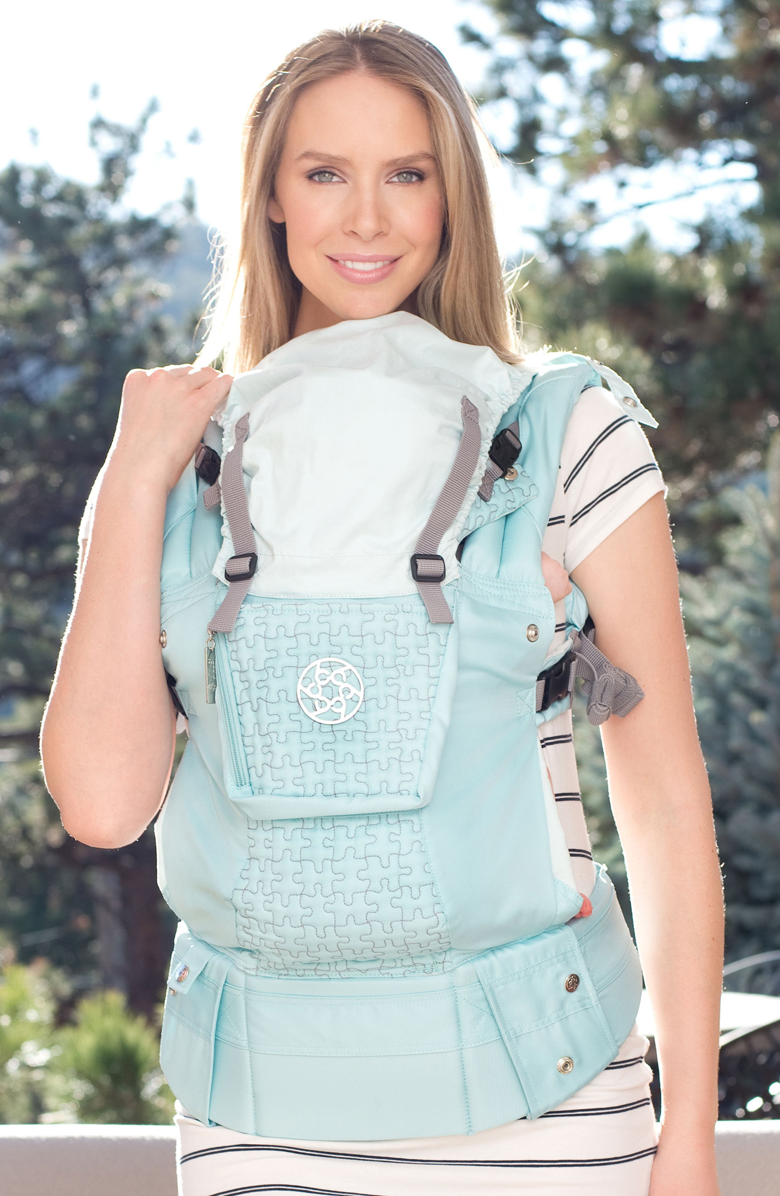 'Complete Embossed Luxe' Baby Carrier,                             Alternate thumbnail 4, color,                             GREEN