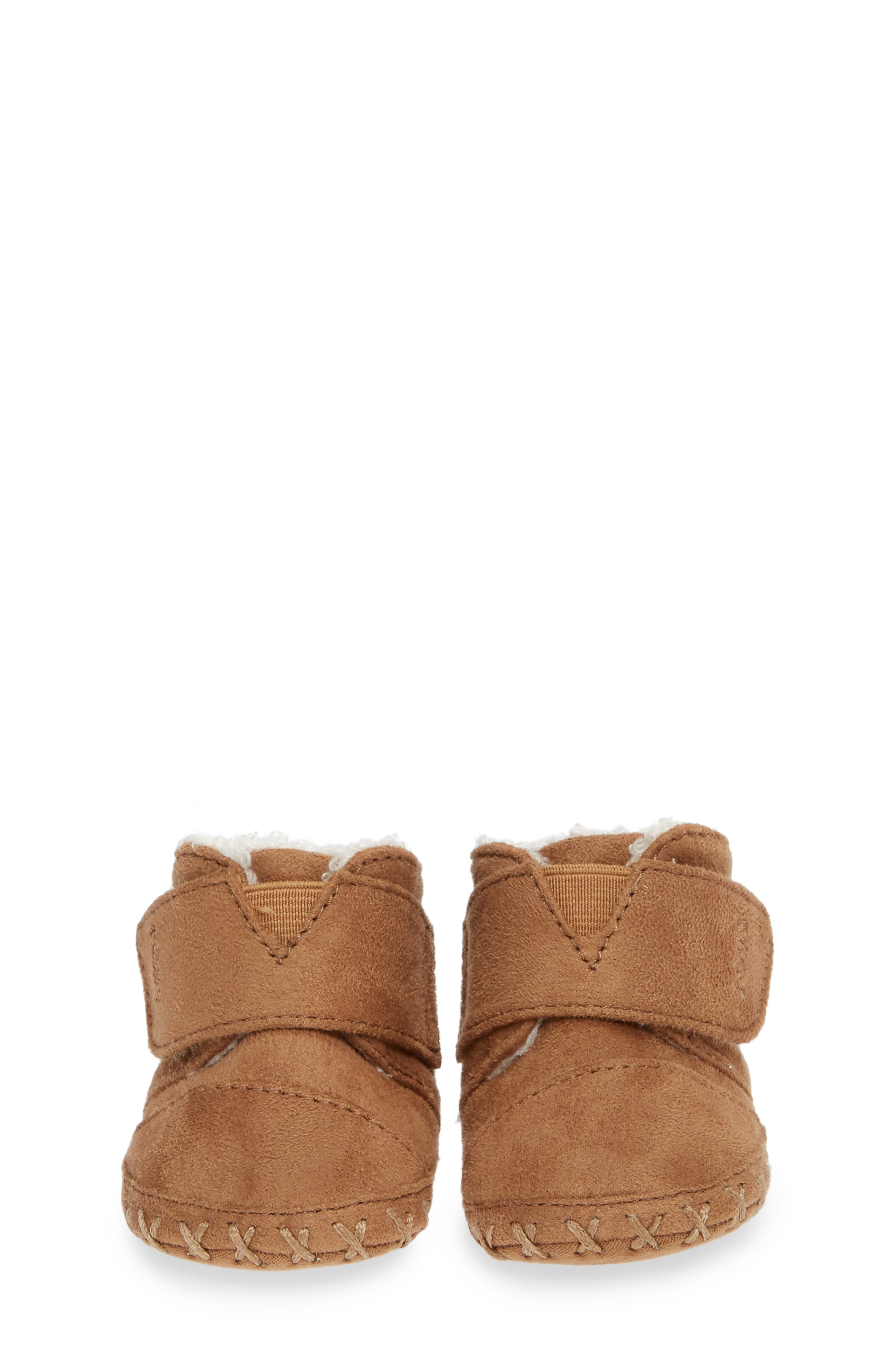 Tiny Cuna Faux Fur Crib Bootie,                             Alternate thumbnail 5, color,                             TOFFEE MICROFIBER