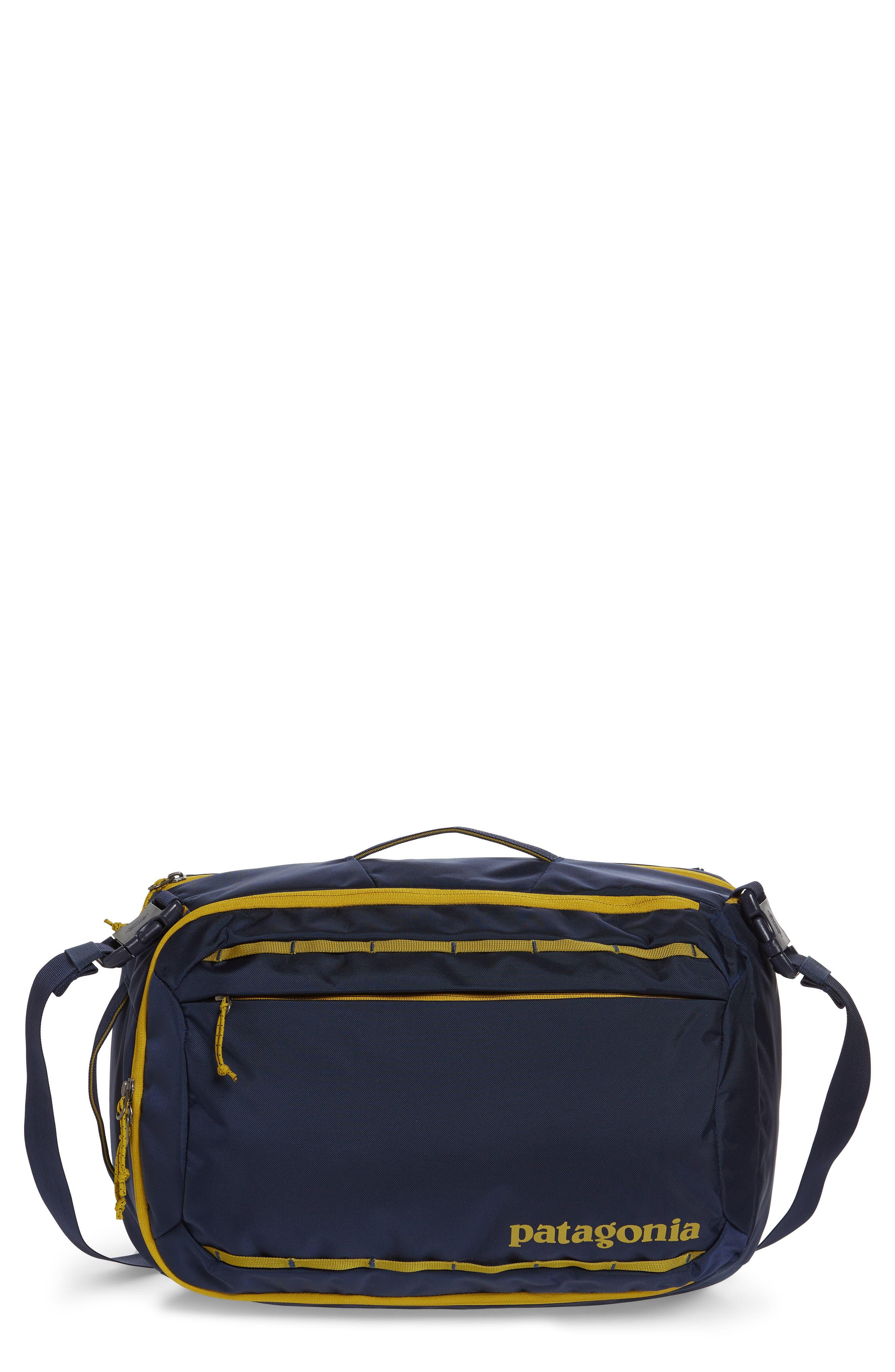PATAGONIA,                             Tres 25-Liter Convertible Backpack,                             Main thumbnail 1, color,                             CLASSIC NAVY