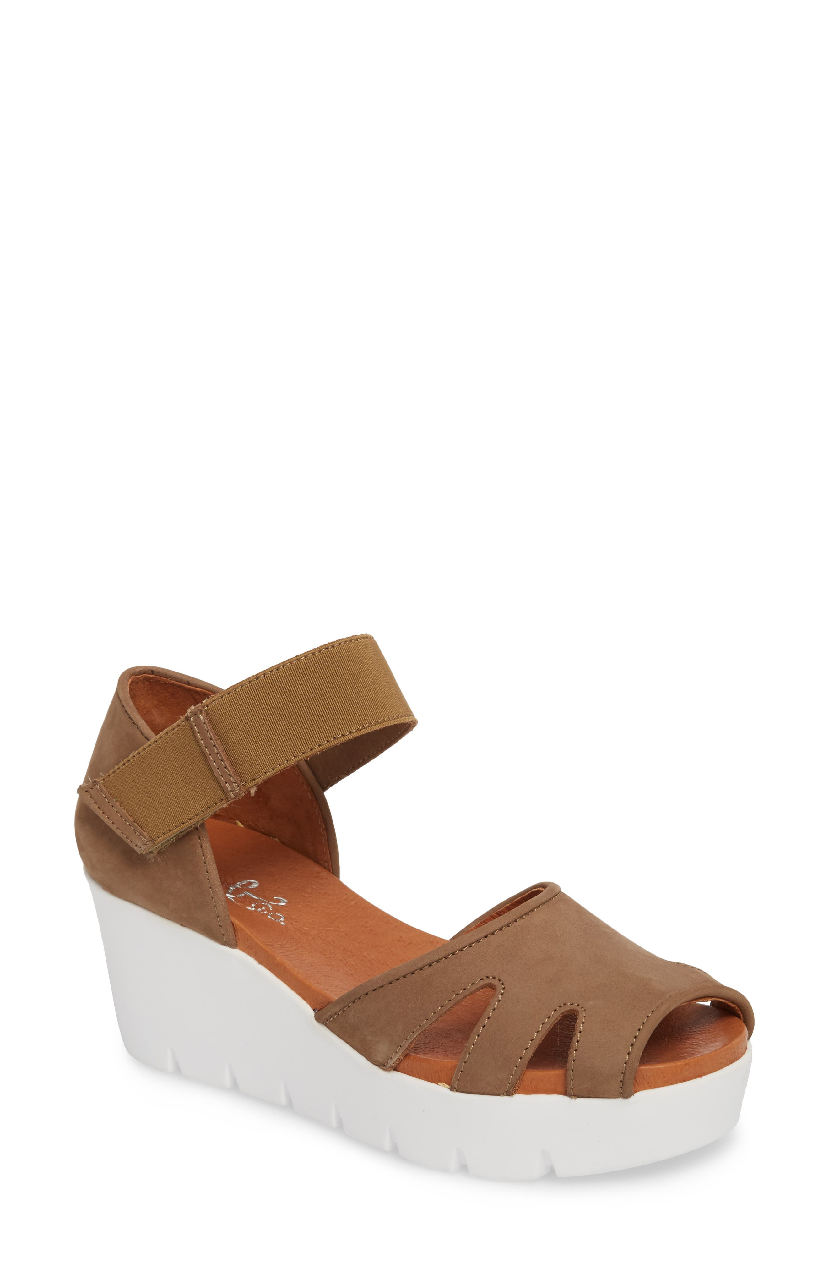 Bos. & Co. Sharon Platform Wedge Sandal, Brown