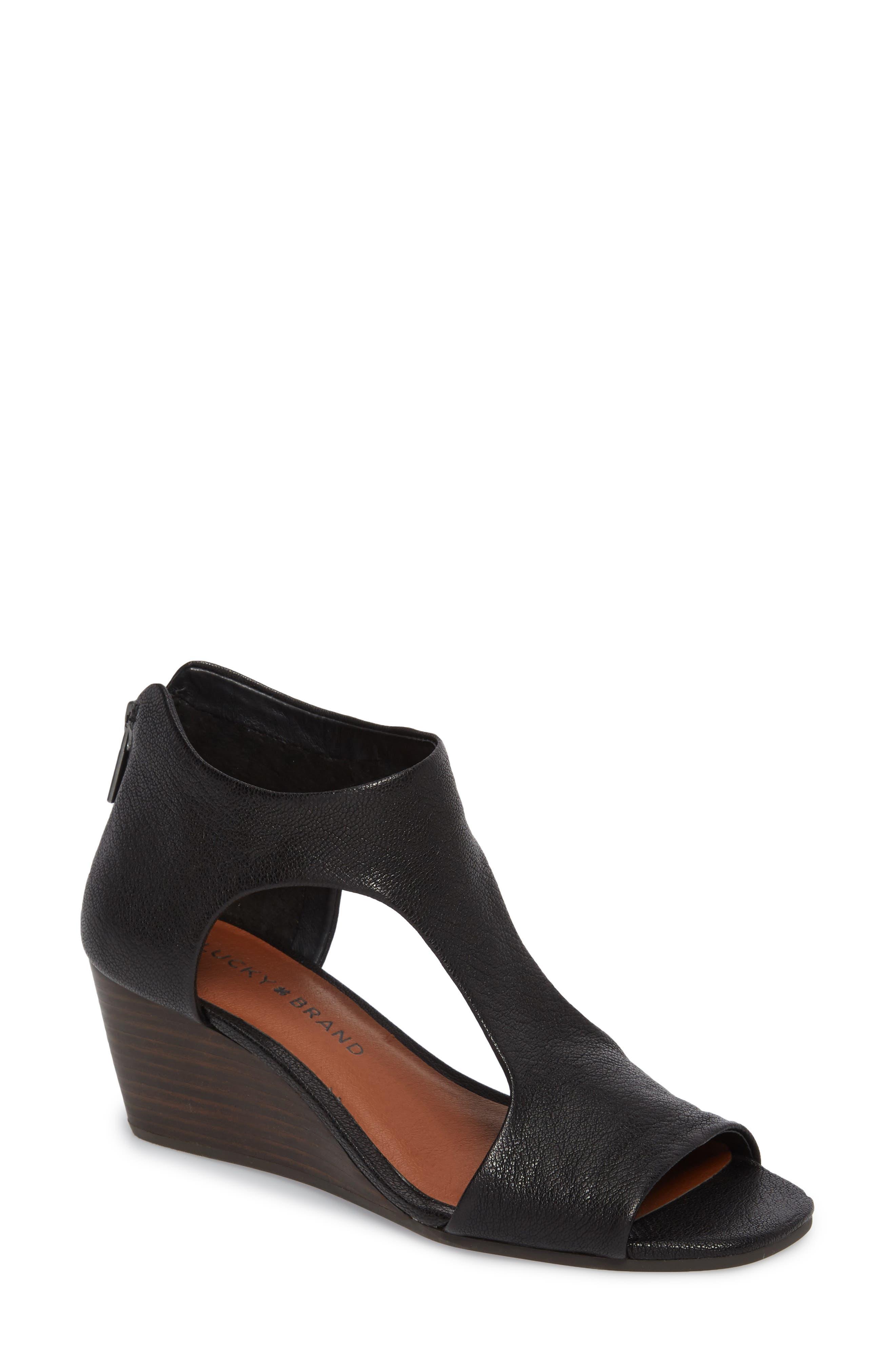 Tehirr Wedge Sandal,                         Main,                         color, 001