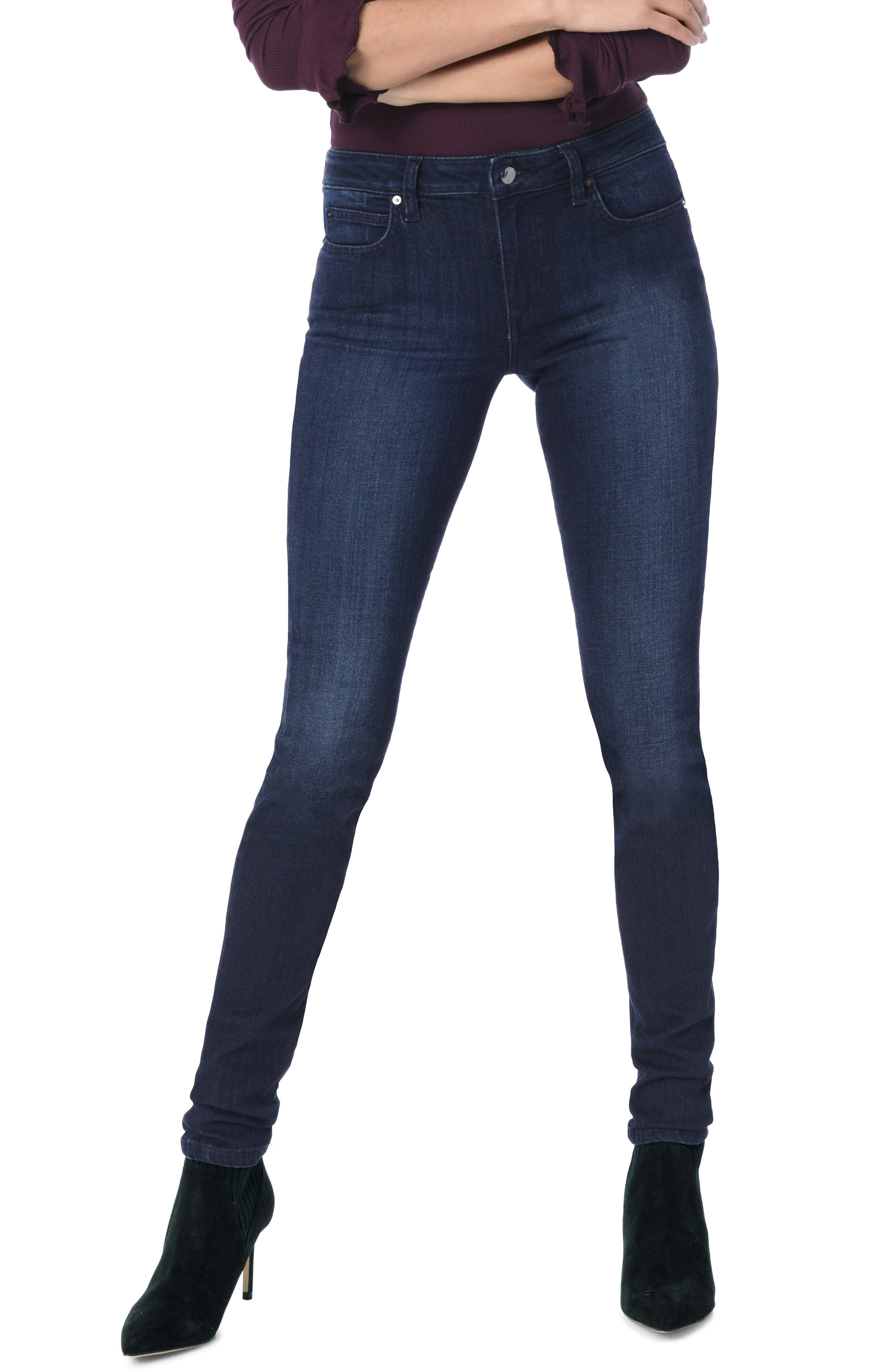 Flawless Twiggy Skinny Jeans in Lupe