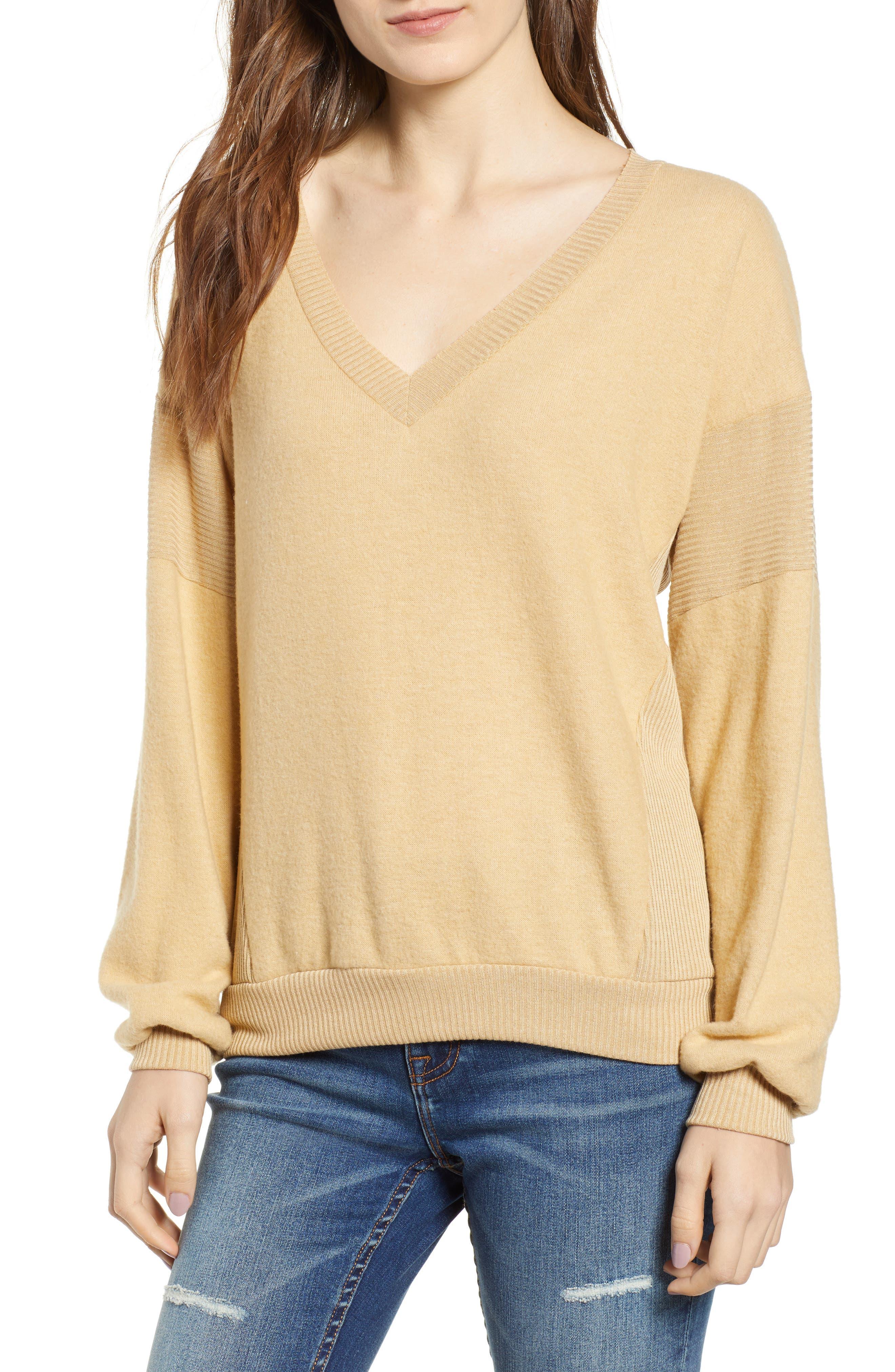 PROJECT SOCIAL T Alsen V-Neck Sweatshirt in Gold Haze