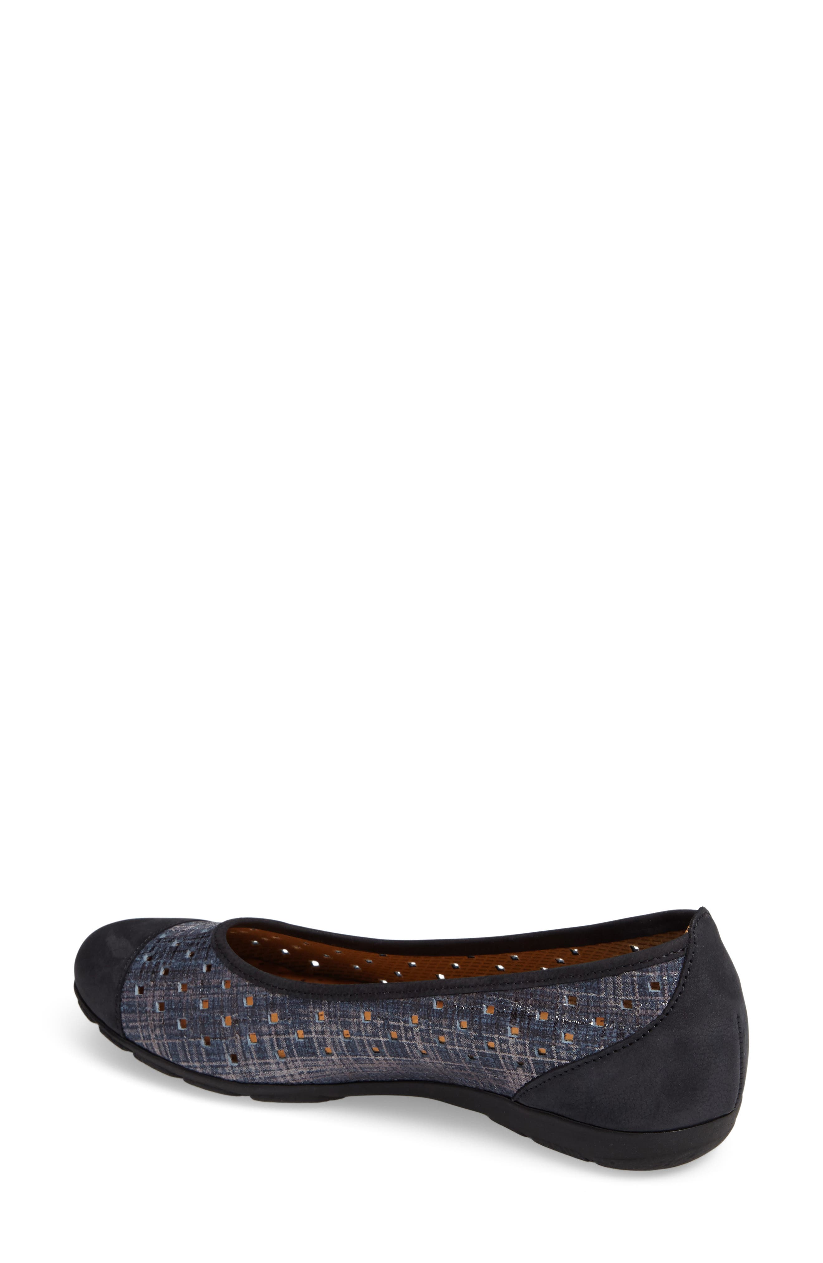 Cap Toe Ballet Flat,                             Alternate thumbnail 8, color,