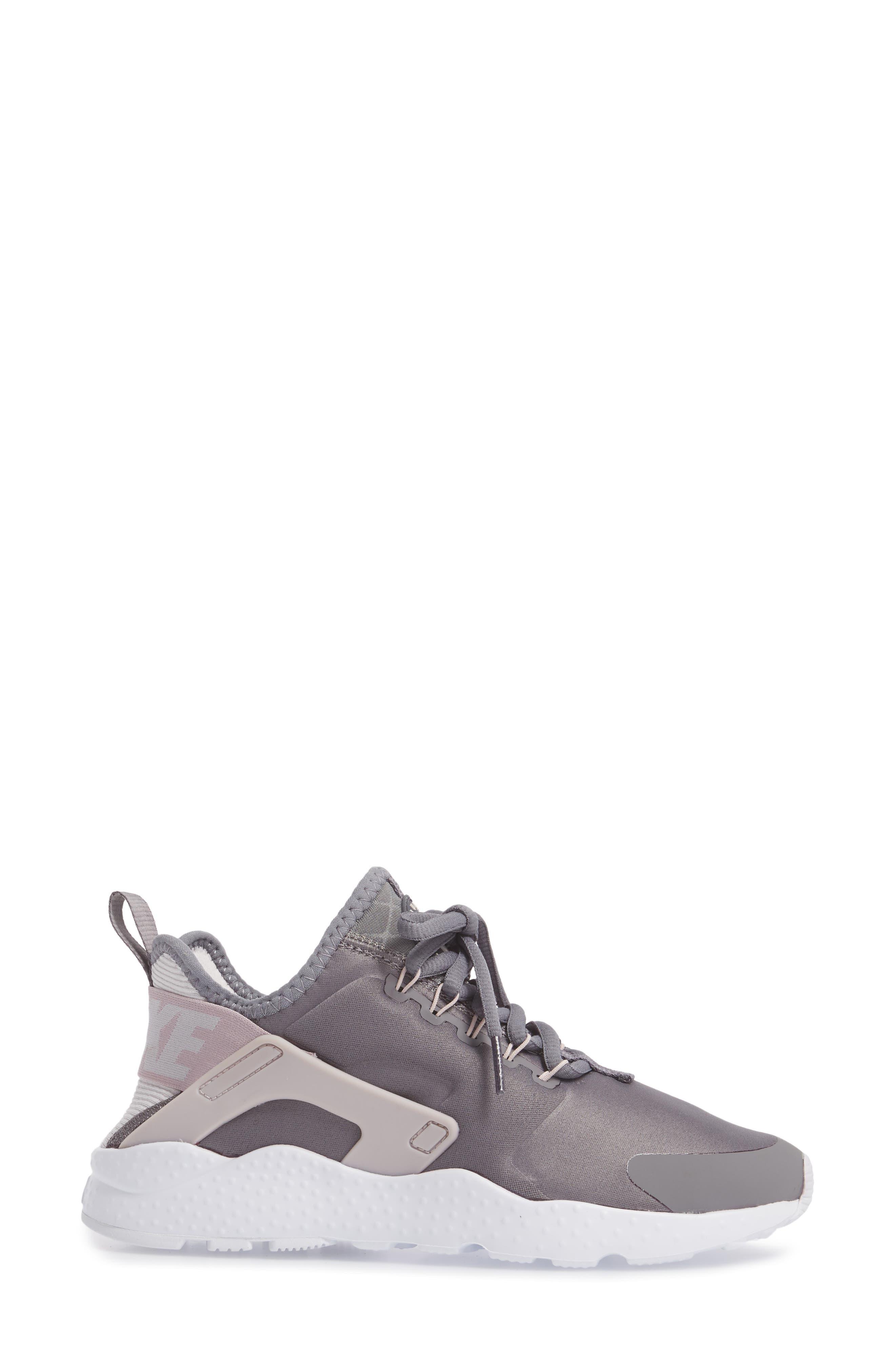 Air Huarache Sneaker,                             Alternate thumbnail 3, color,                             026