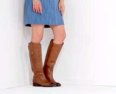 Play video about how to fit women's boots.