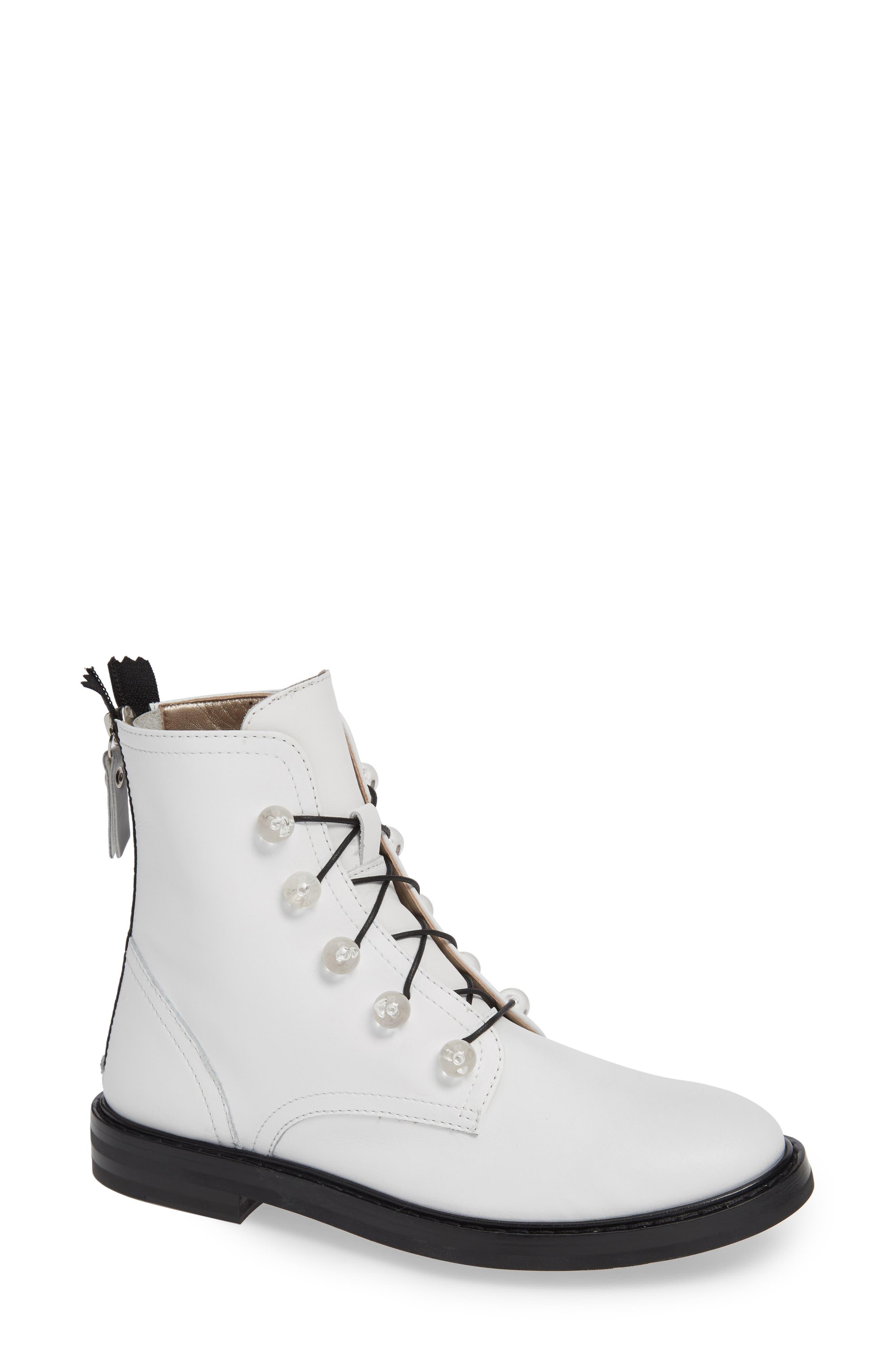 AGL ATTILIO GIUSTI LEOMBRUNI Lucite Knob Combat Boot in Off White Leather