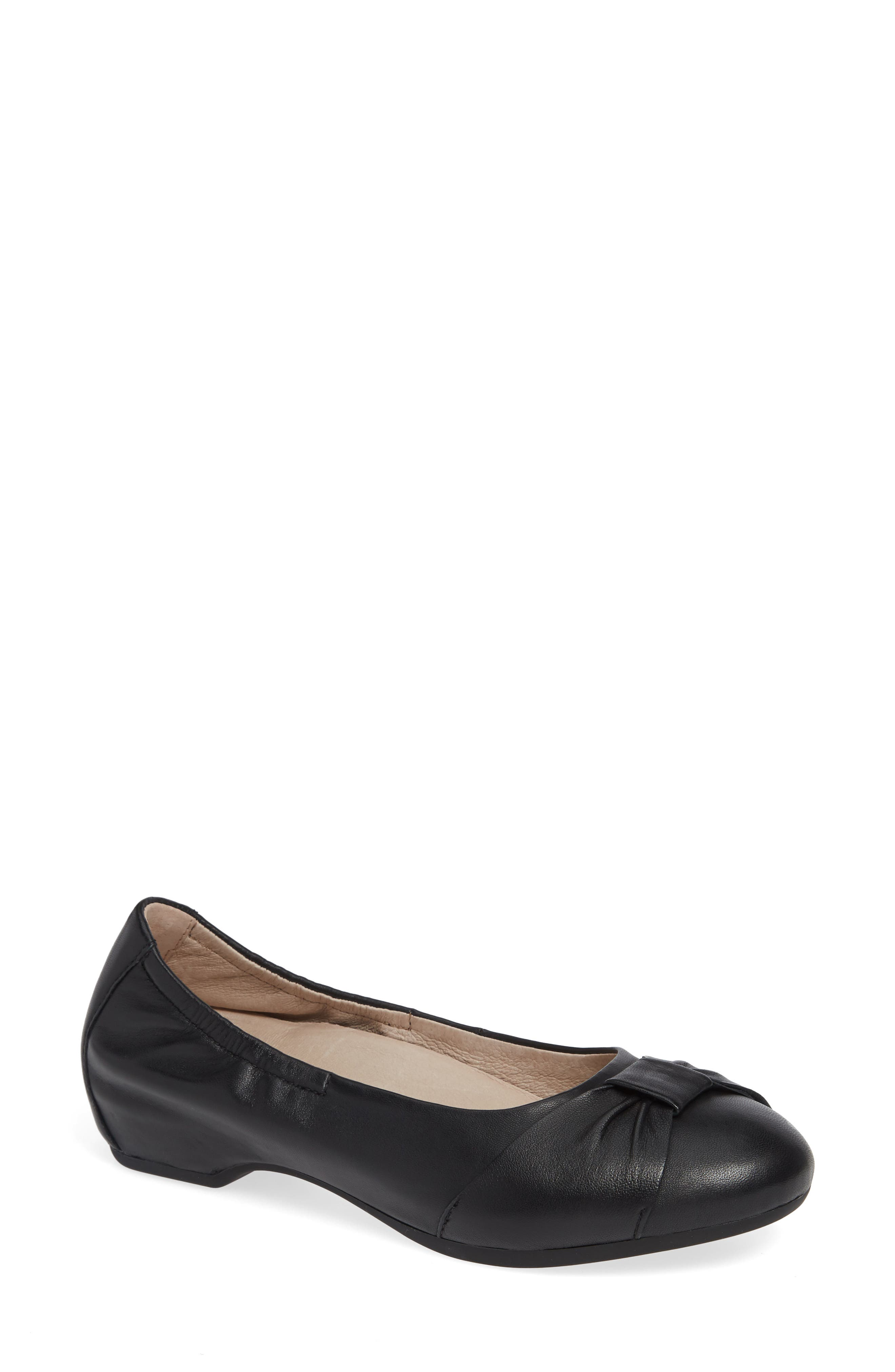Lina Bow Pump,                         Main,                         color, BLACK LEATHER