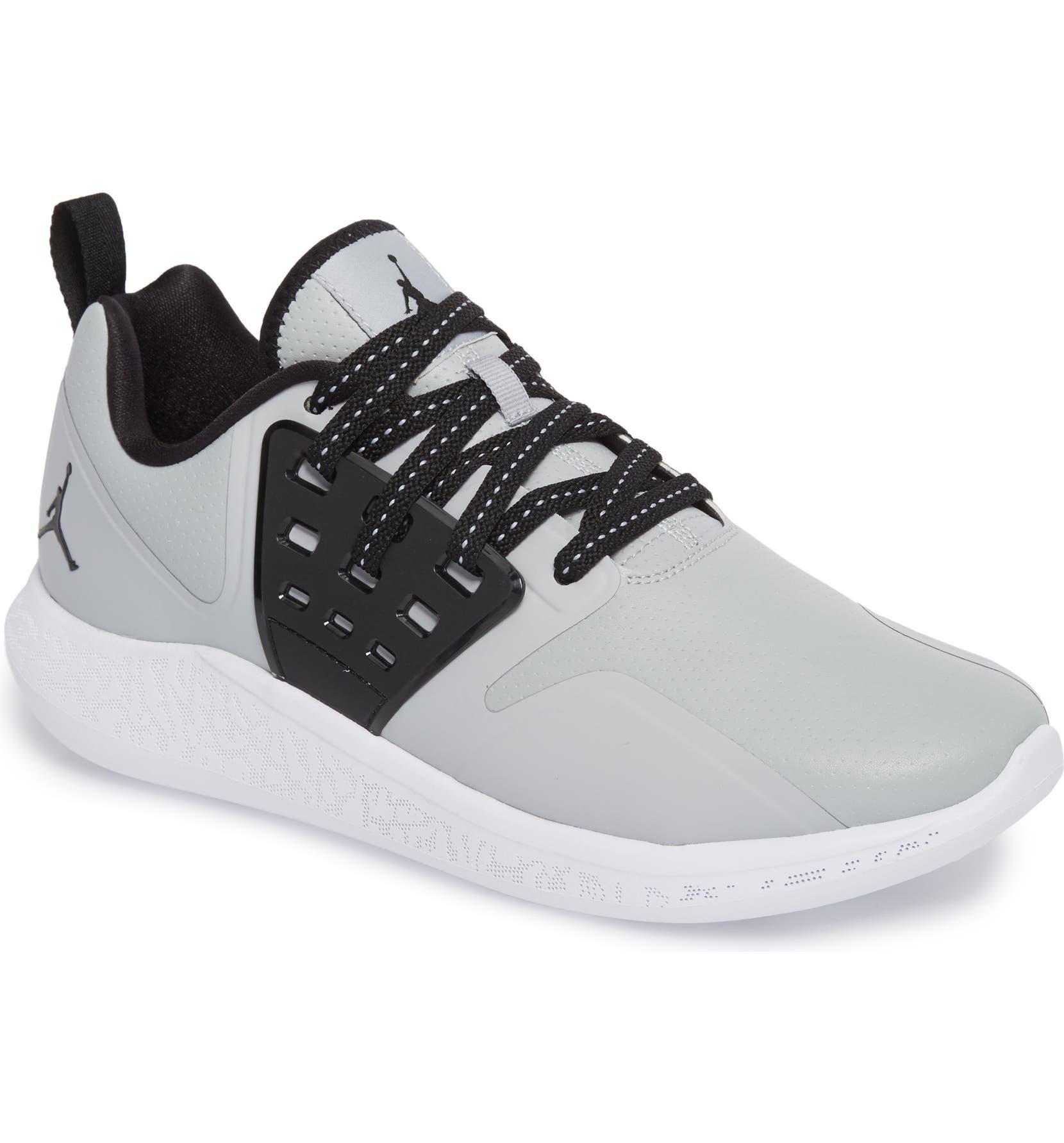 Details about Jordan Grind Mens Running Shoes 115 White Black 136cc1509