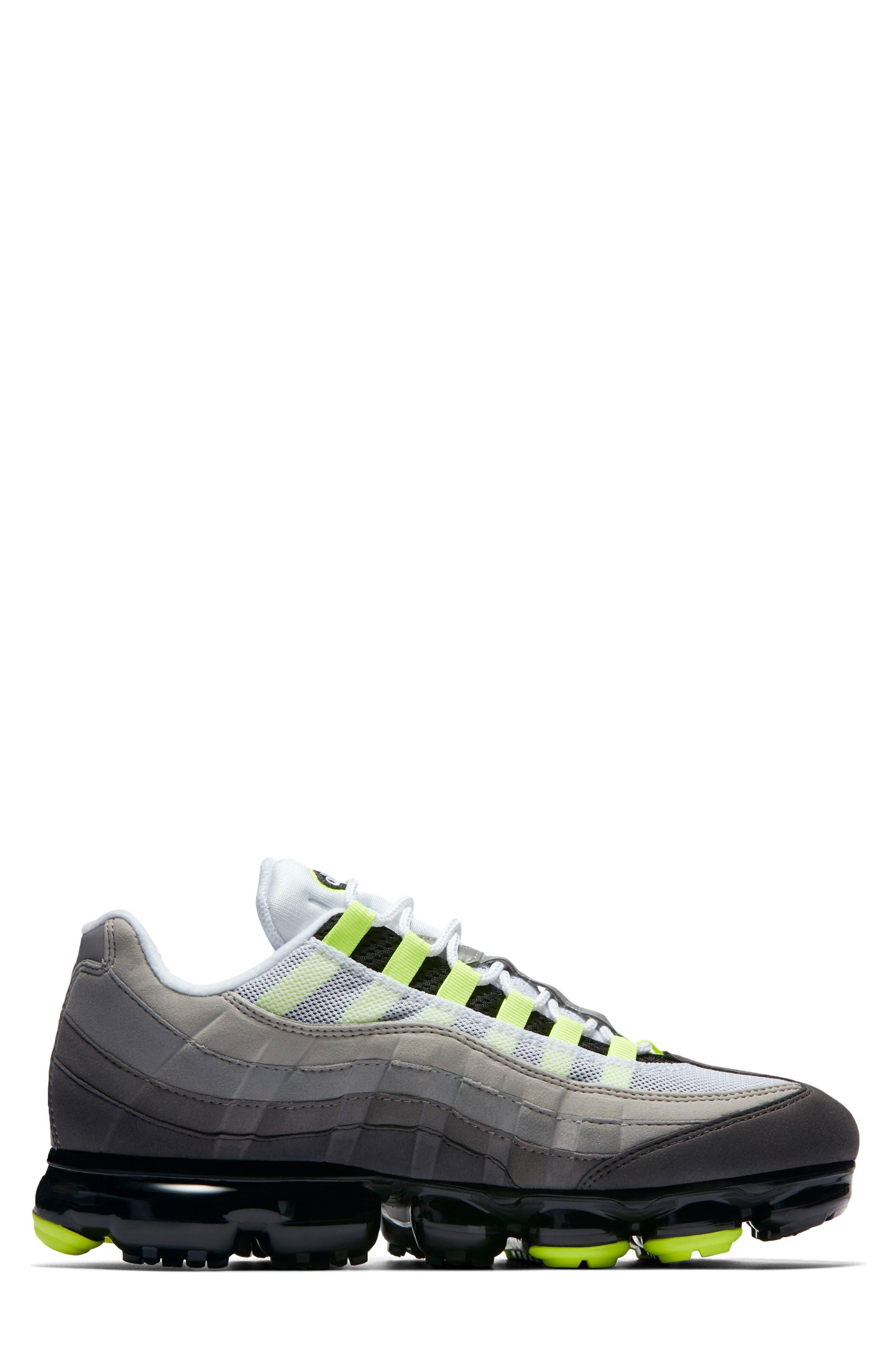 Air VaporMax '95 Sneaker,                             Alternate thumbnail 5, color,