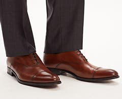 Play video about how to fit men's dress shoes.