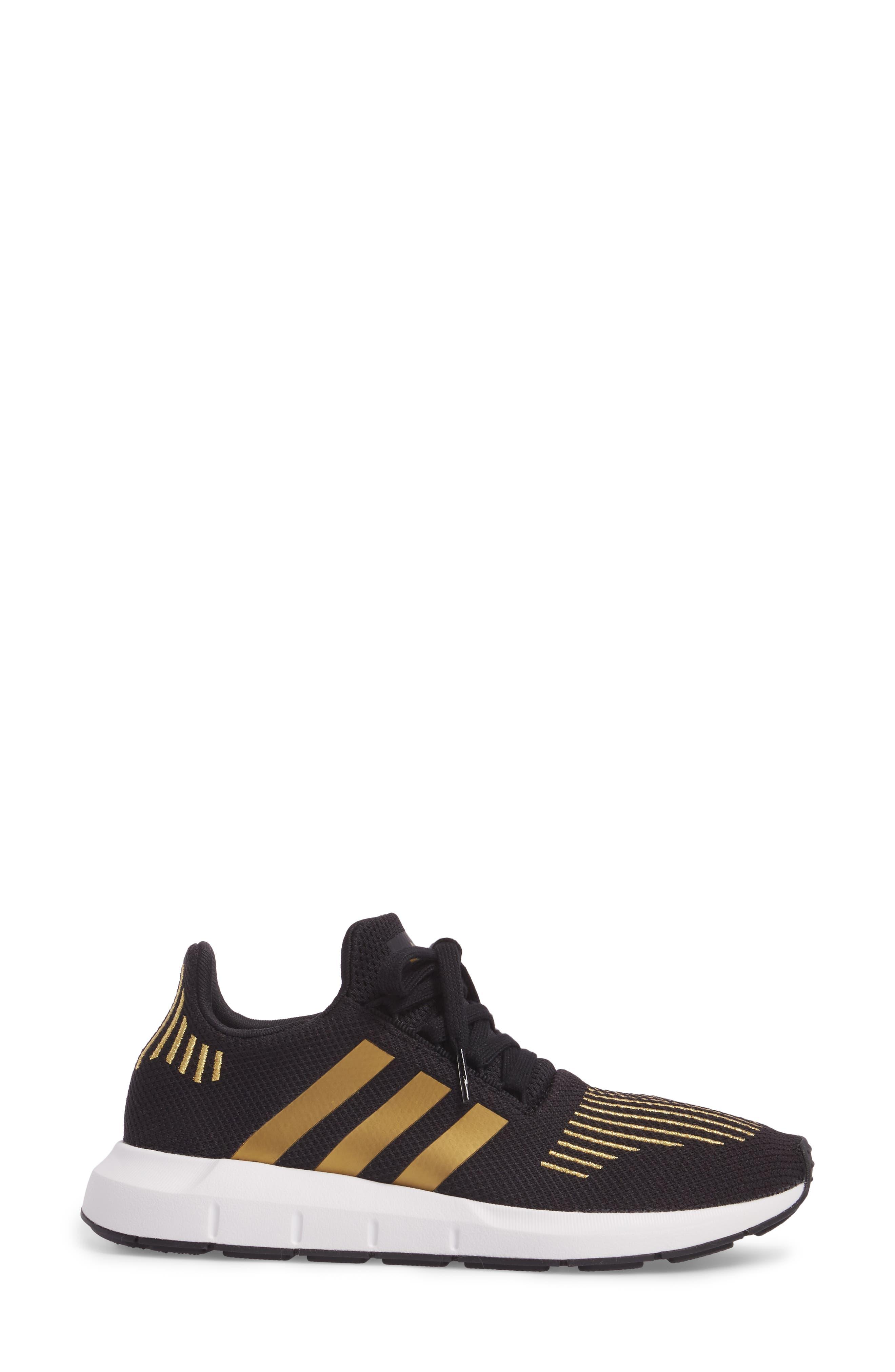 Swift Run Sneaker,                             Alternate thumbnail 80, color,