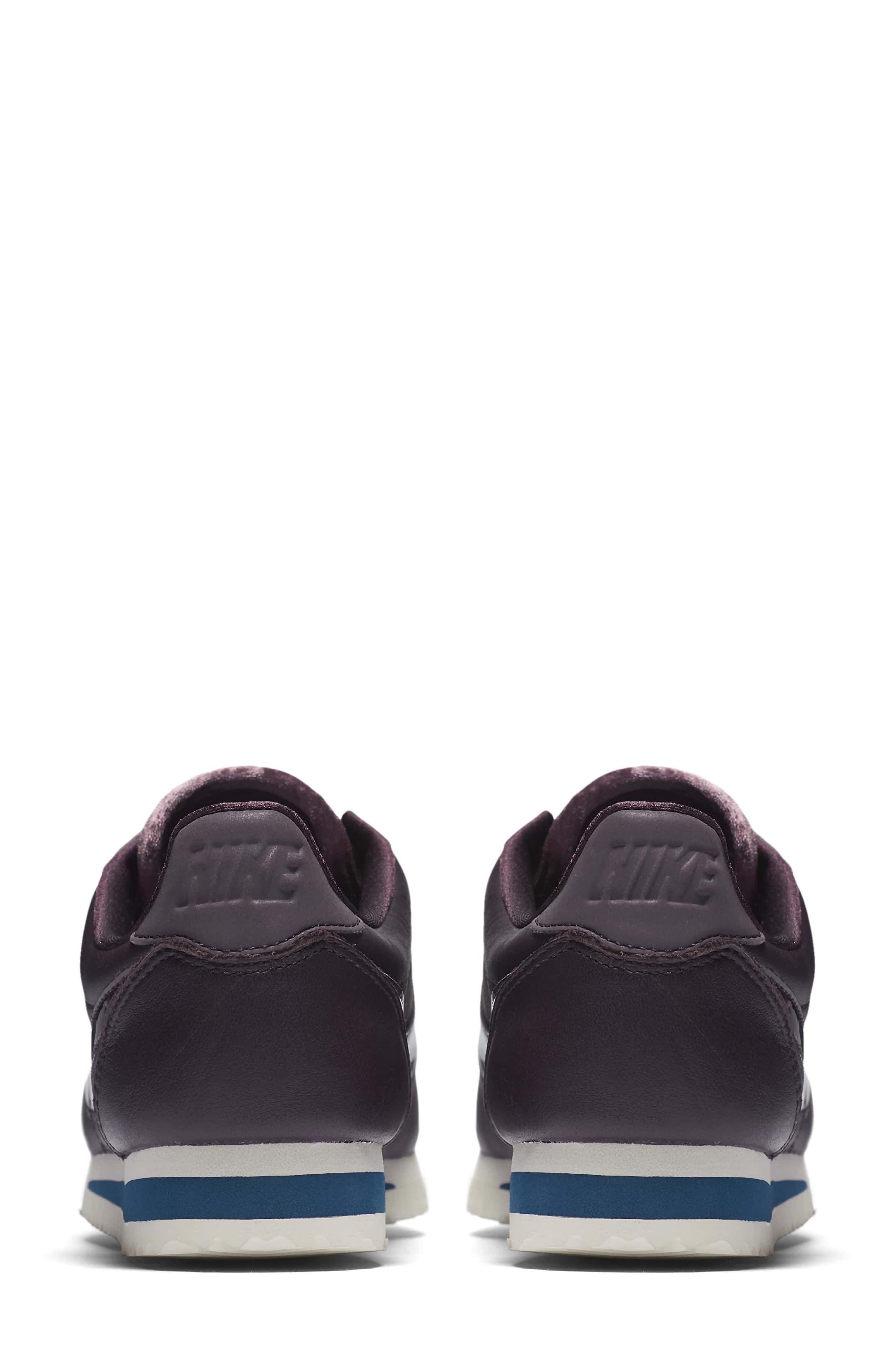 Classic Cortez SE Premium Sneaker,                             Alternate thumbnail 4, color,