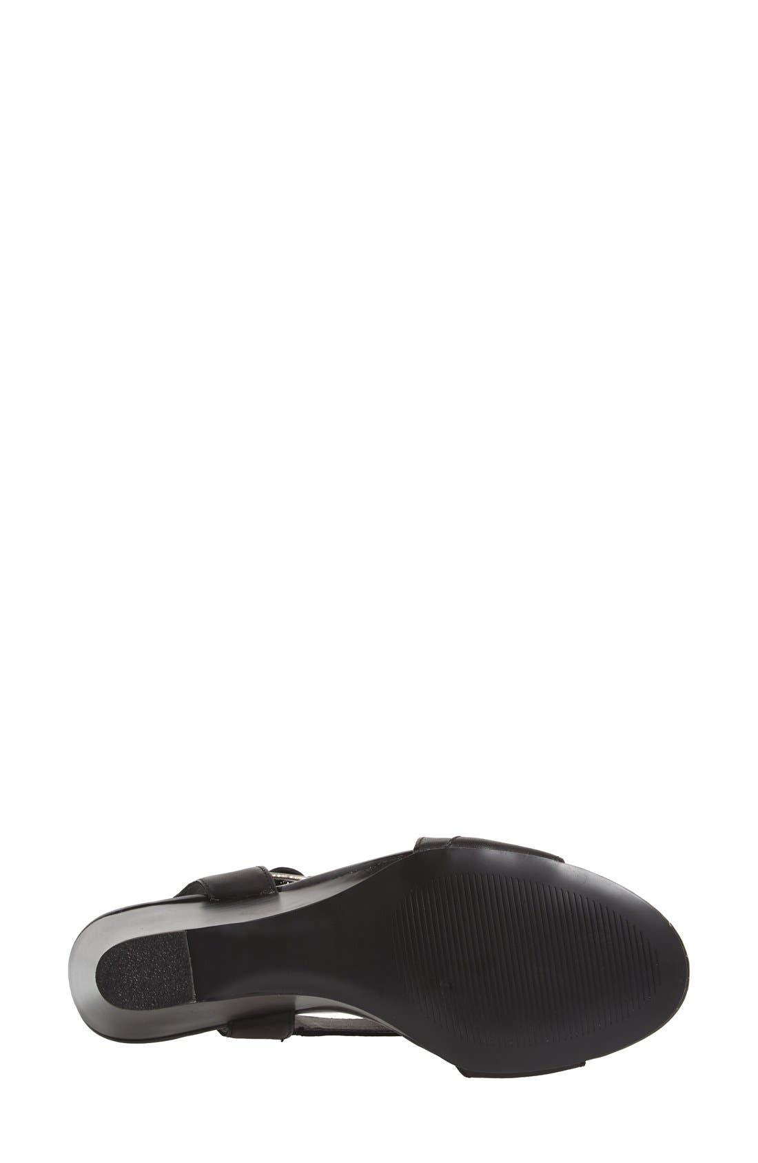 STEVE MADDEN,                             'Stipend' Wedge Leather Sandal,                             Alternate thumbnail 4, color,                             001