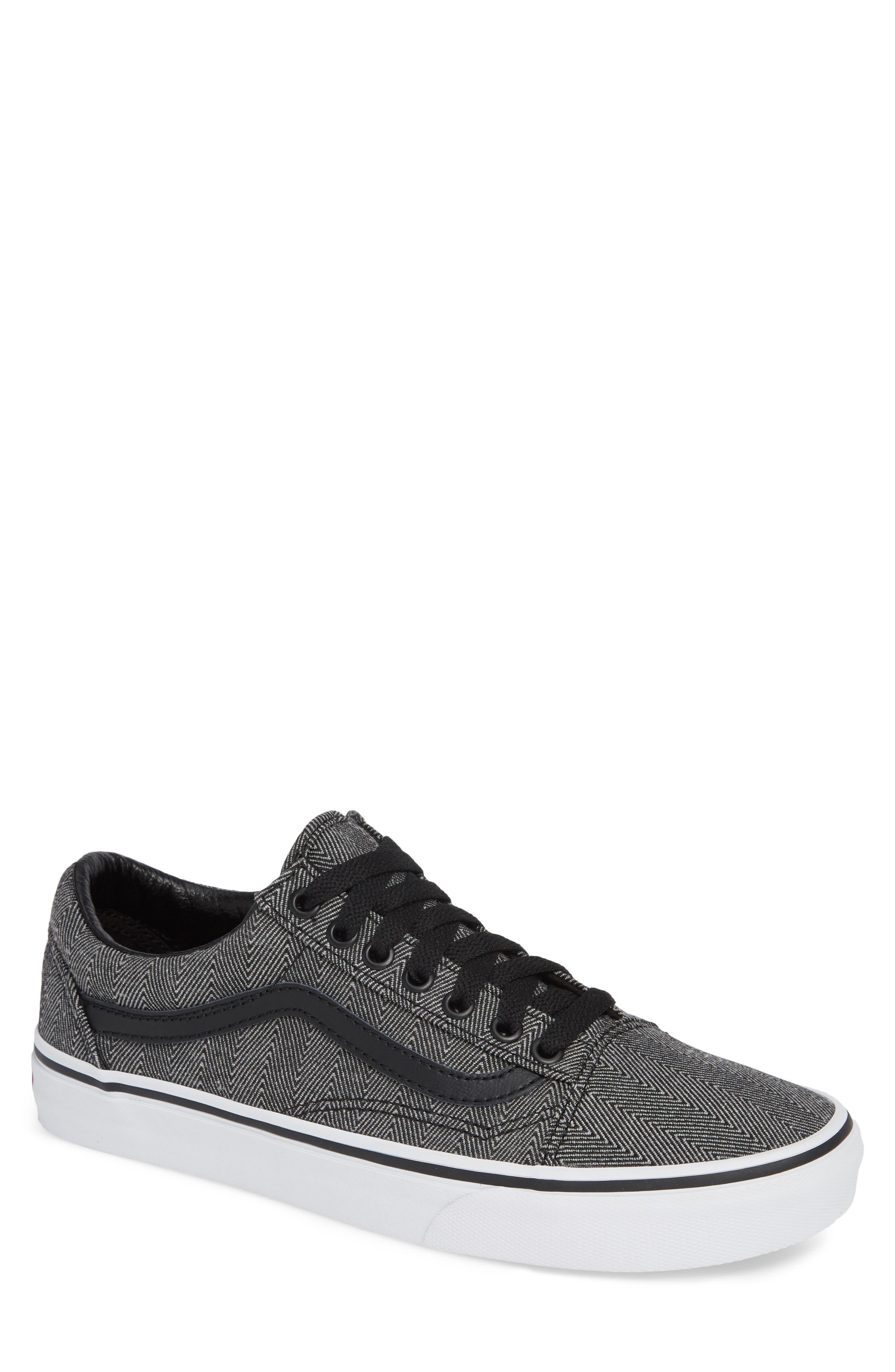 UA Old Skool Sneaker,                         Main,                         color, BLACK/ TRUE WHITE