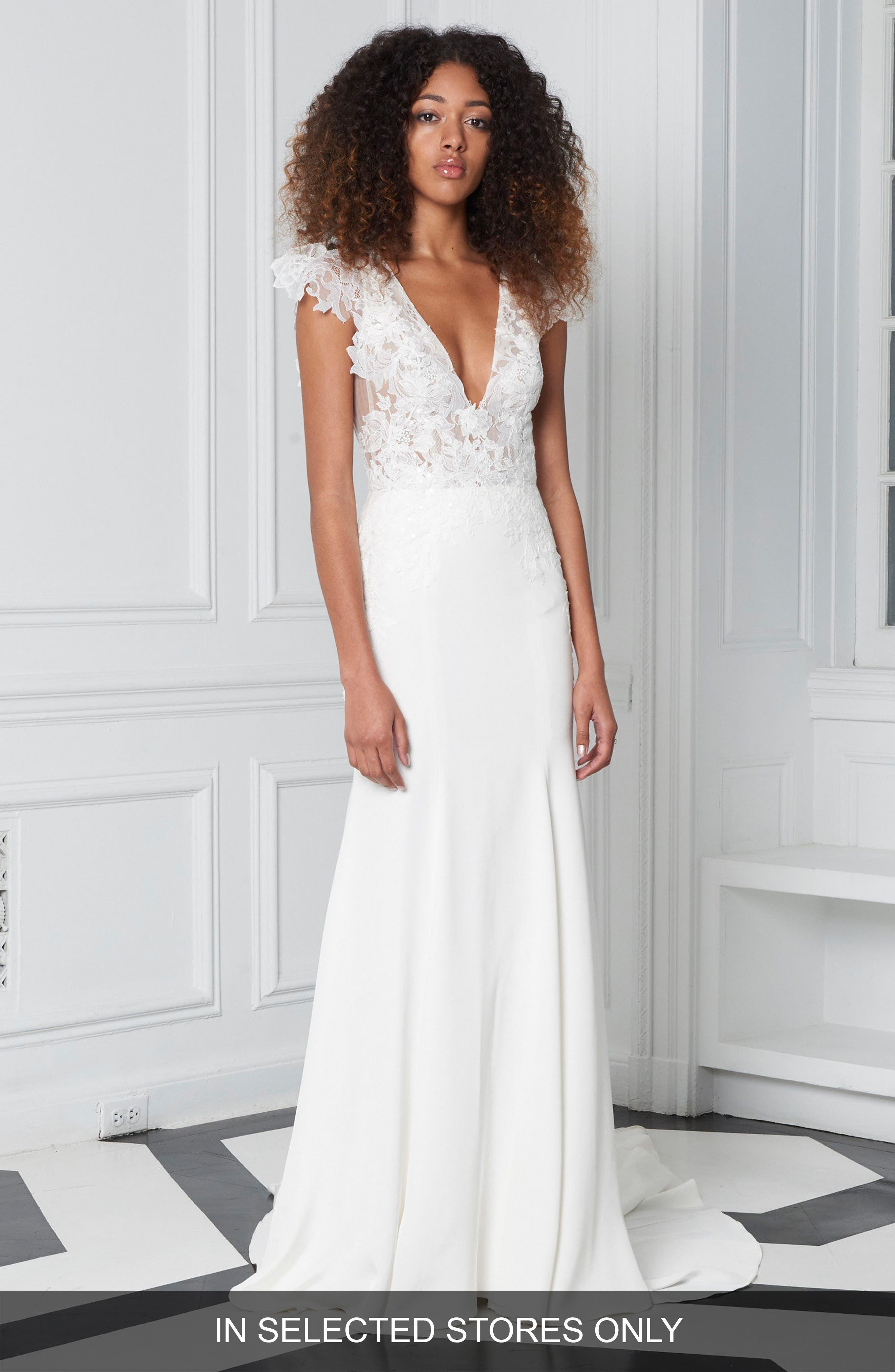 Lace Plunge Neck Trumpet Gown,                         Main,                         color, SILK WHITE