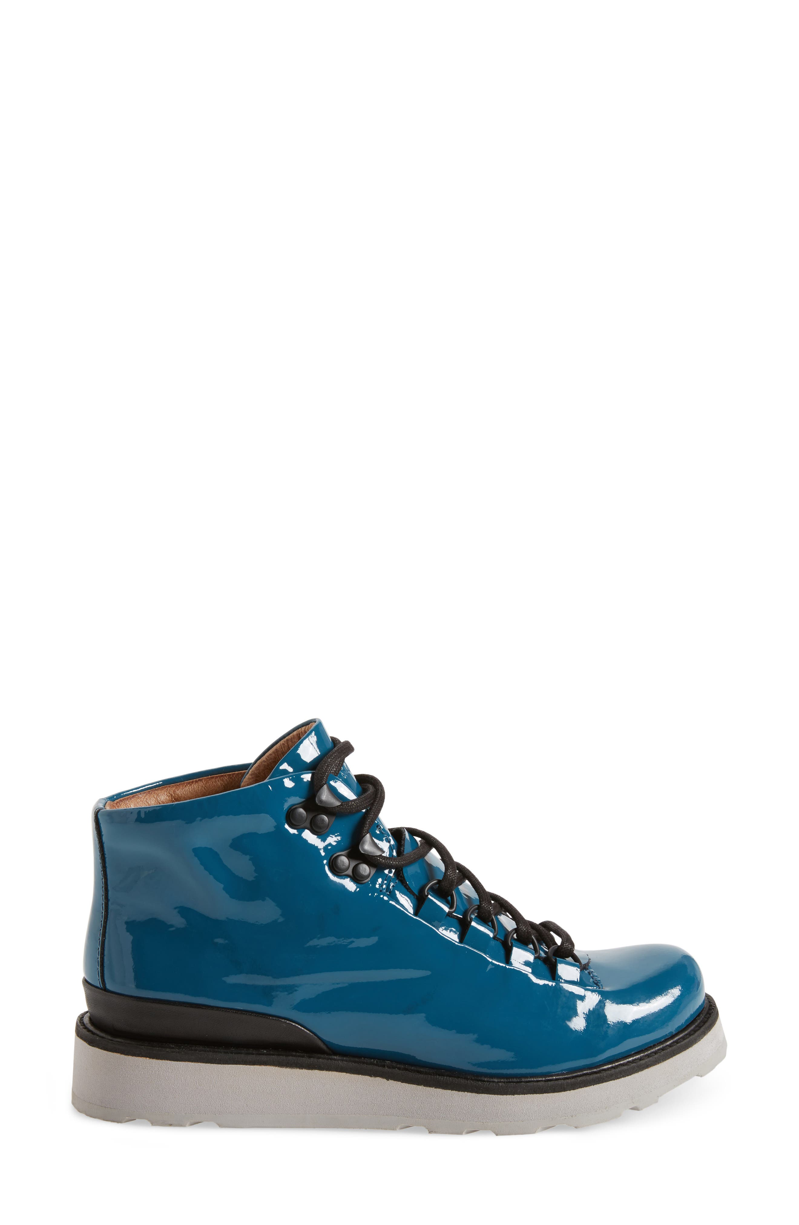 'MW76' Water Resistant Boot,                             Alternate thumbnail 3, color,                             441