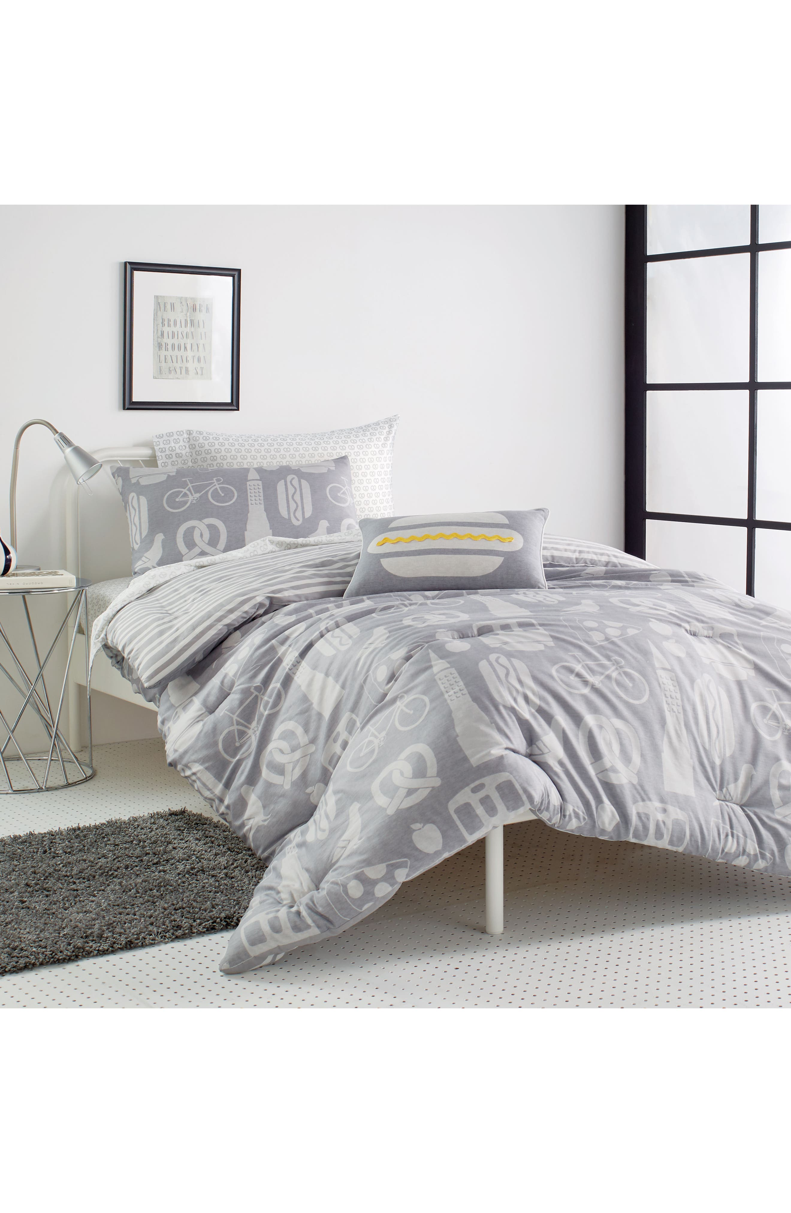 DKNY,                             NYC Comforter, Sham & Accent Pillow Set,                             Alternate thumbnail 5, color,                             GREY
