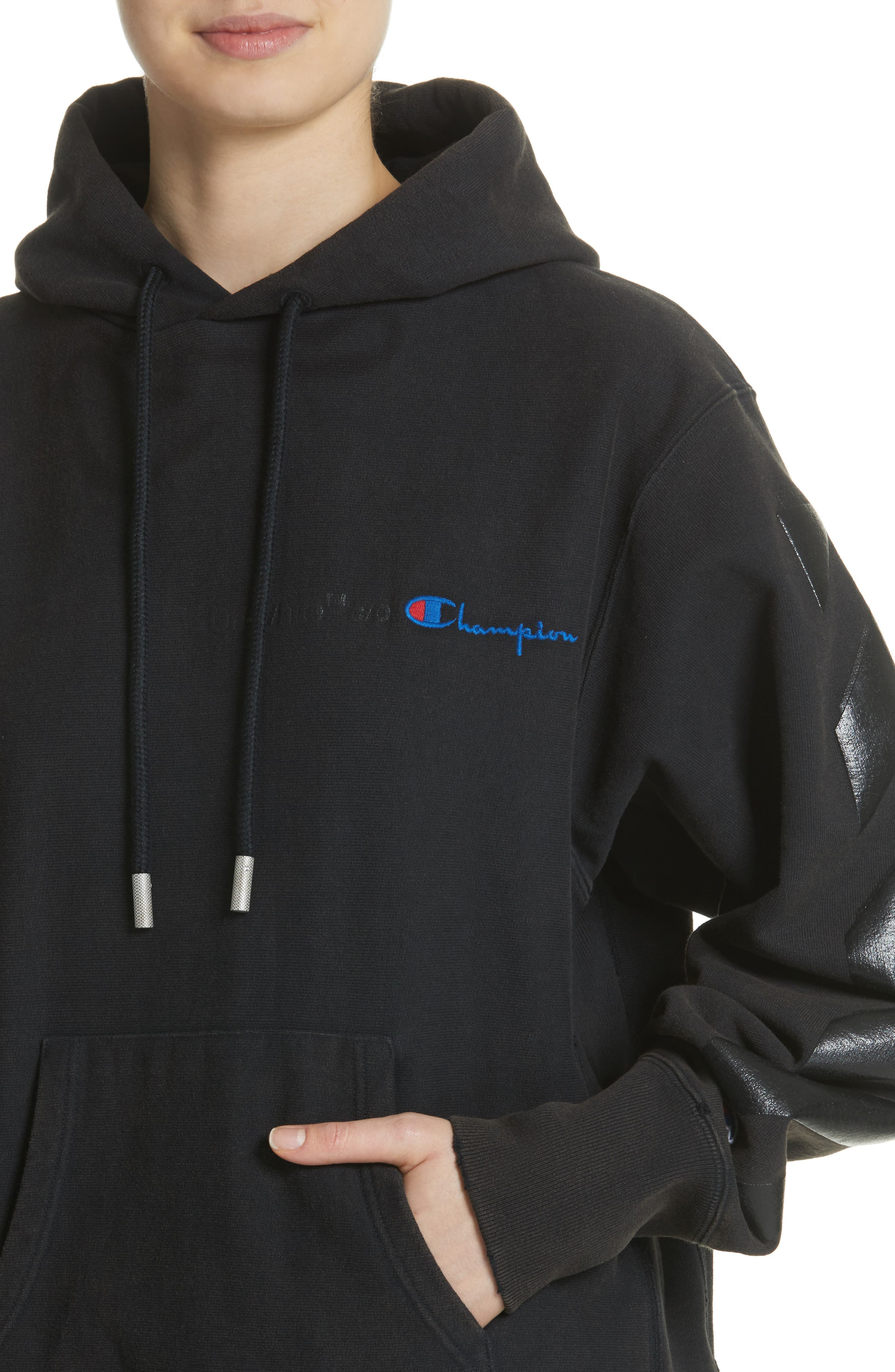 x Champion Pullover Hoodie,                             Alternate thumbnail 4, color,                             001