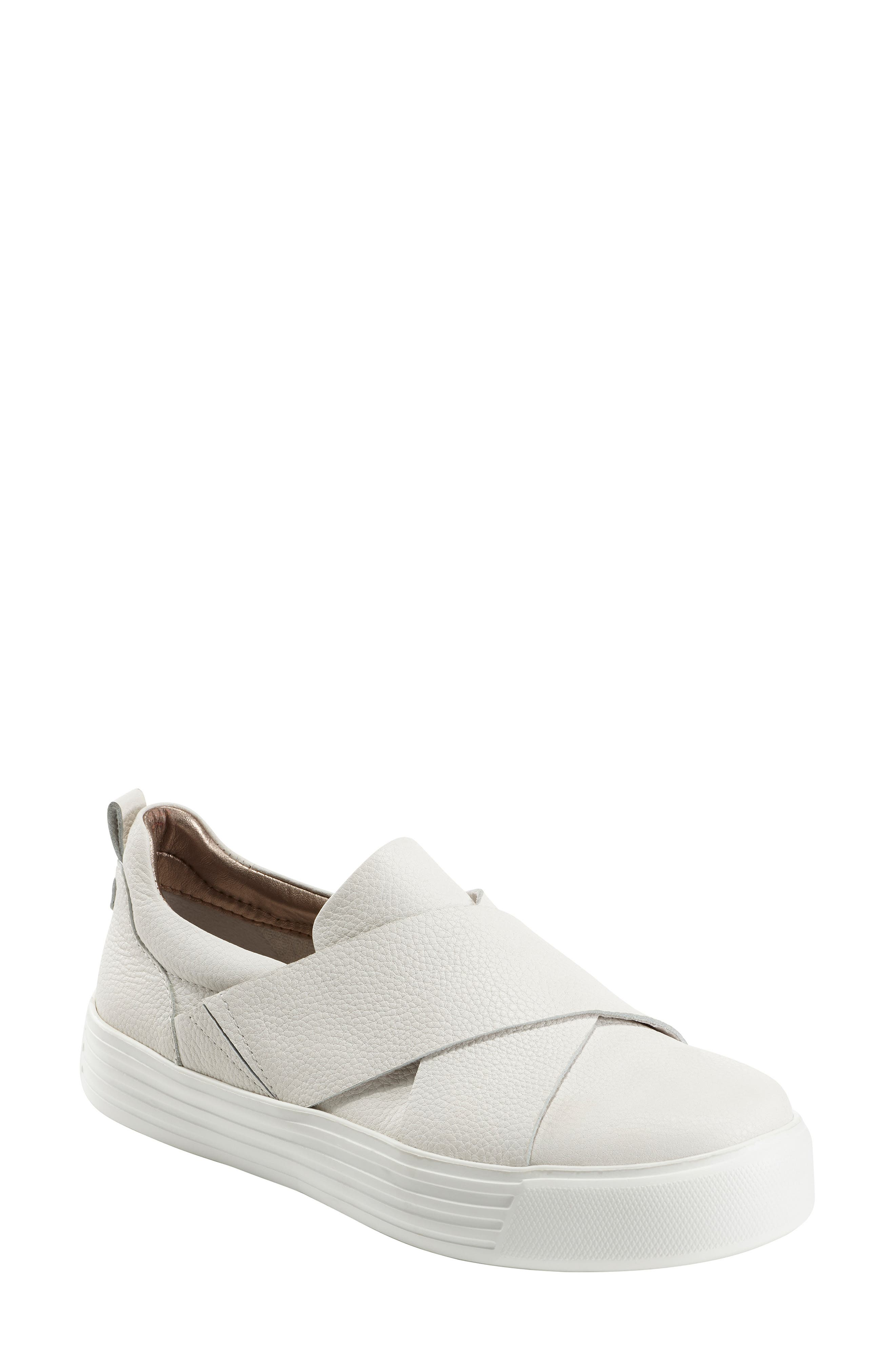 Earth Clary Sneaker- White