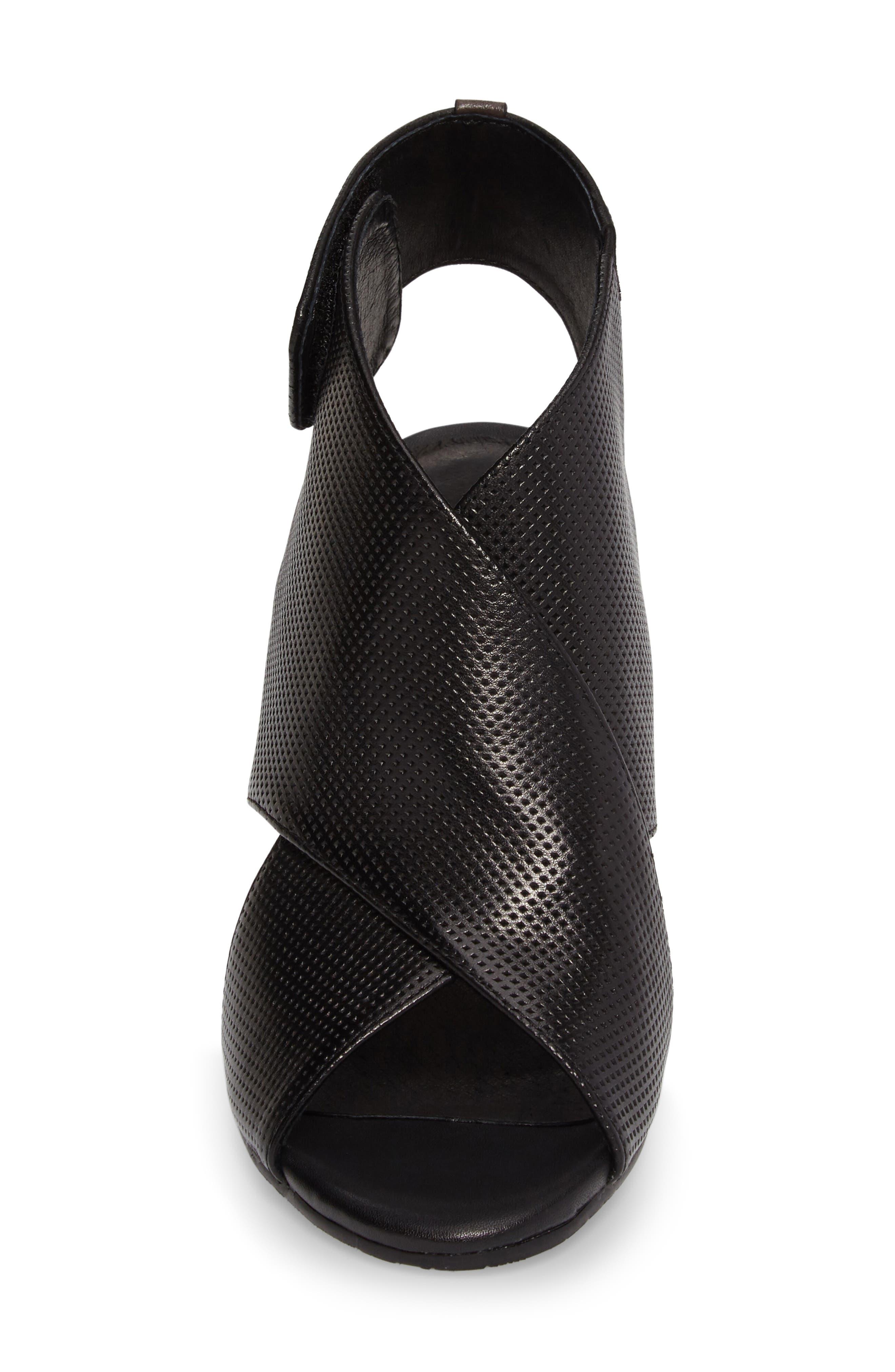 Benedetta Block Heel Sandal,                             Alternate thumbnail 4, color,                             001