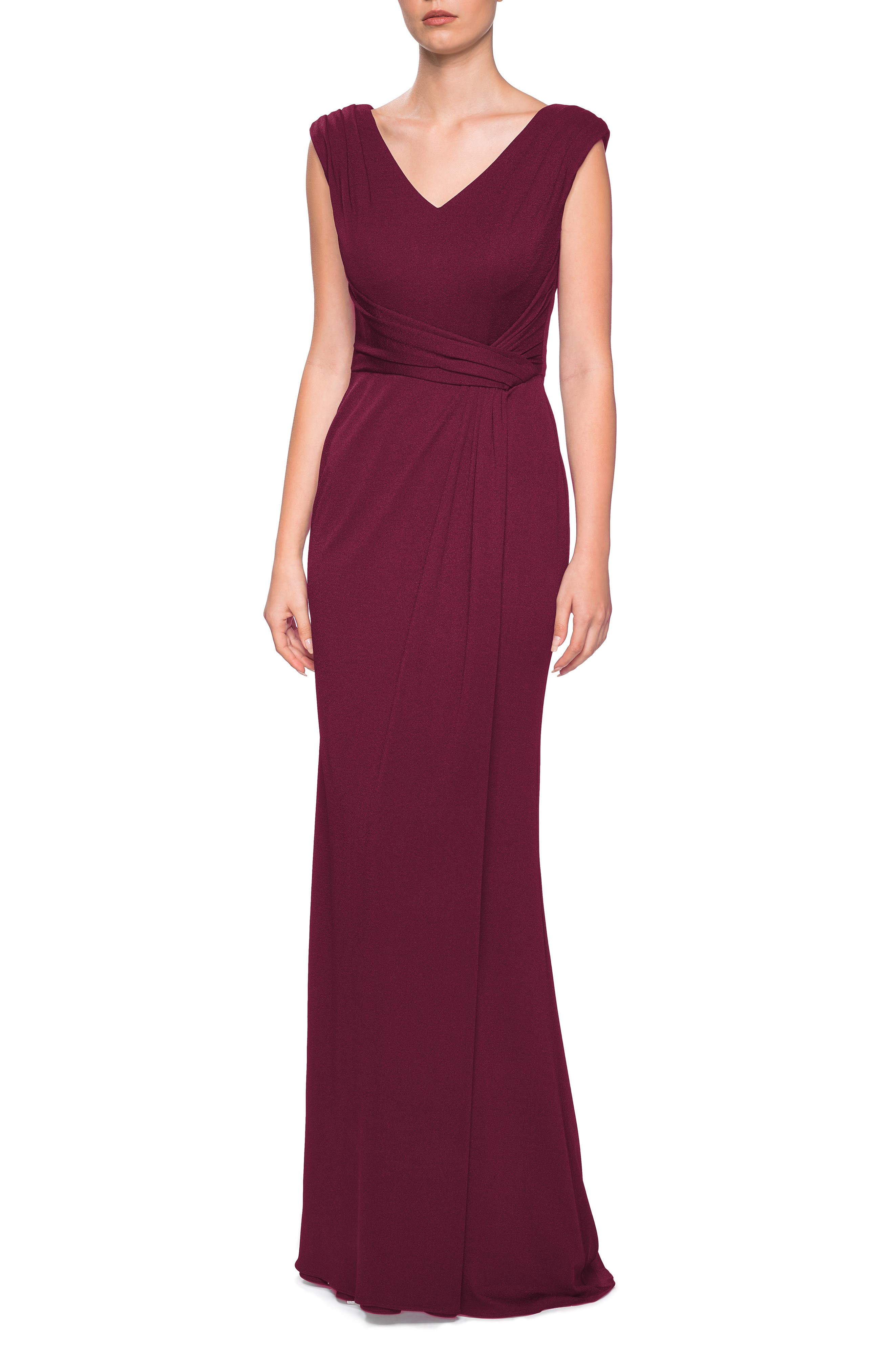 LA FEMME Fitted Jersey Gown in Burgundy