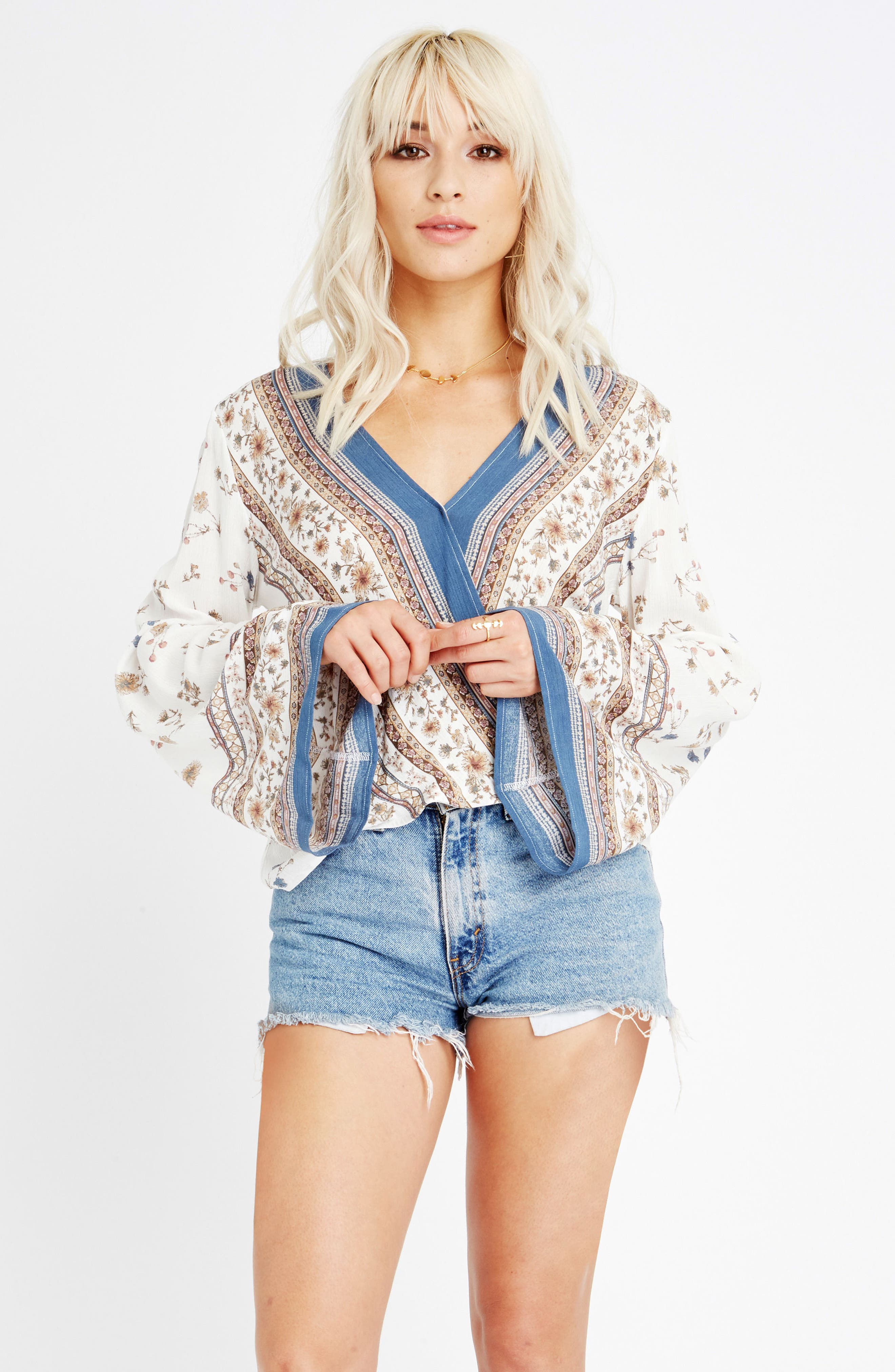 Tulum Bell Sleeve Top,                             Alternate thumbnail 8, color,                             900