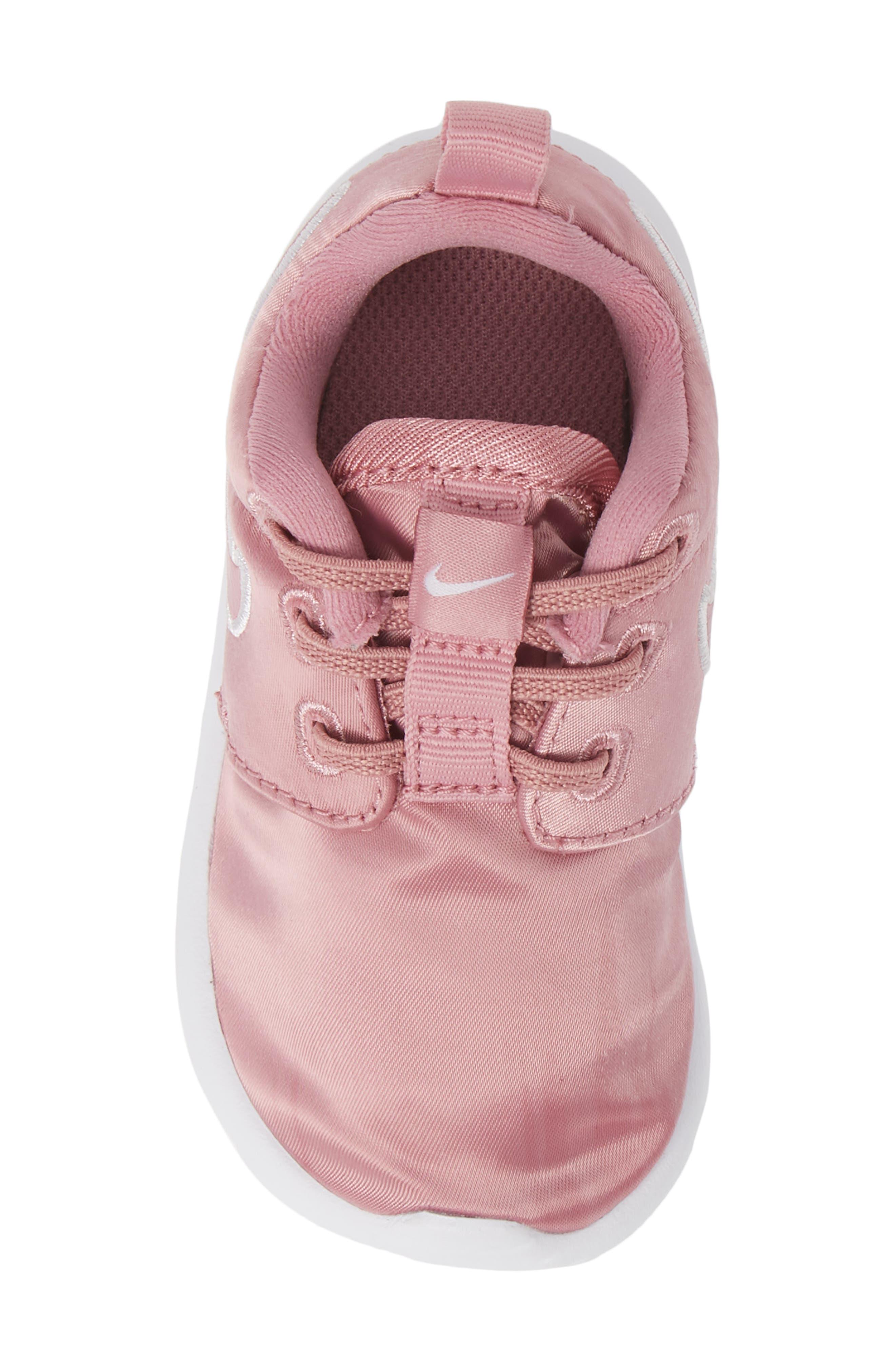 Roshe Run Sneaker,                             Alternate thumbnail 5, color,                             ELEMENTAL PINK/ PINK-WHITE