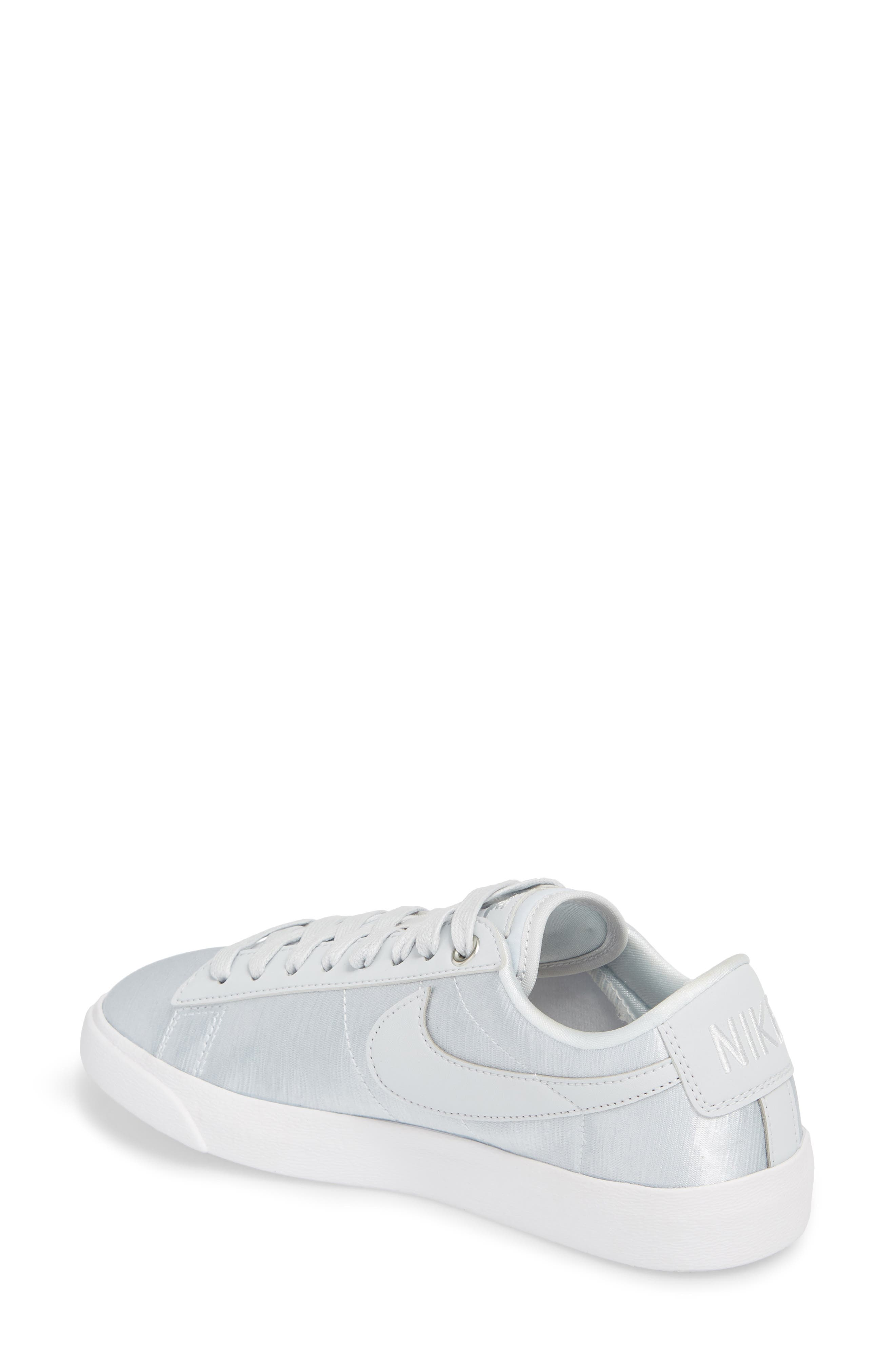 Blazer Low Top Sneaker SE,                             Alternate thumbnail 2, color,                             040