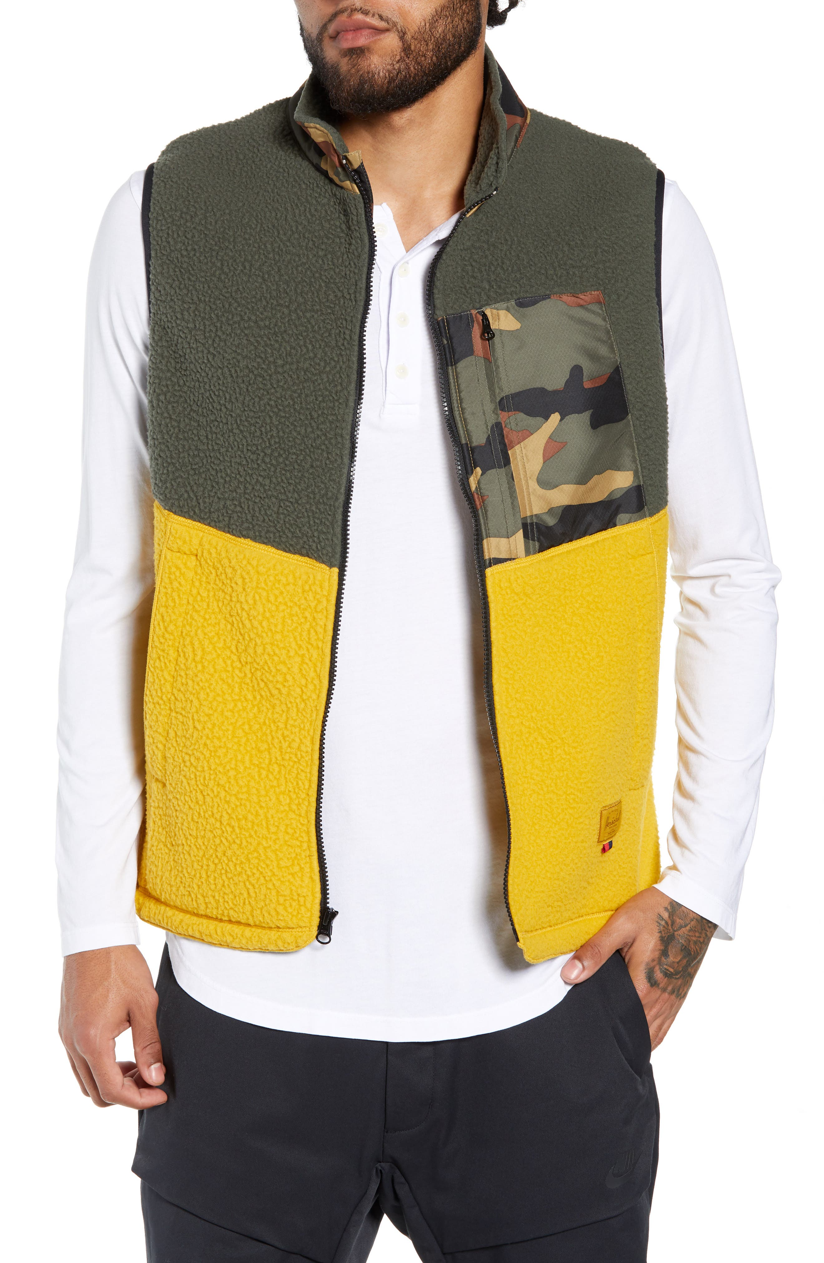 f2da1aebc4 Men s Vests - Country   Outdoors Clothing