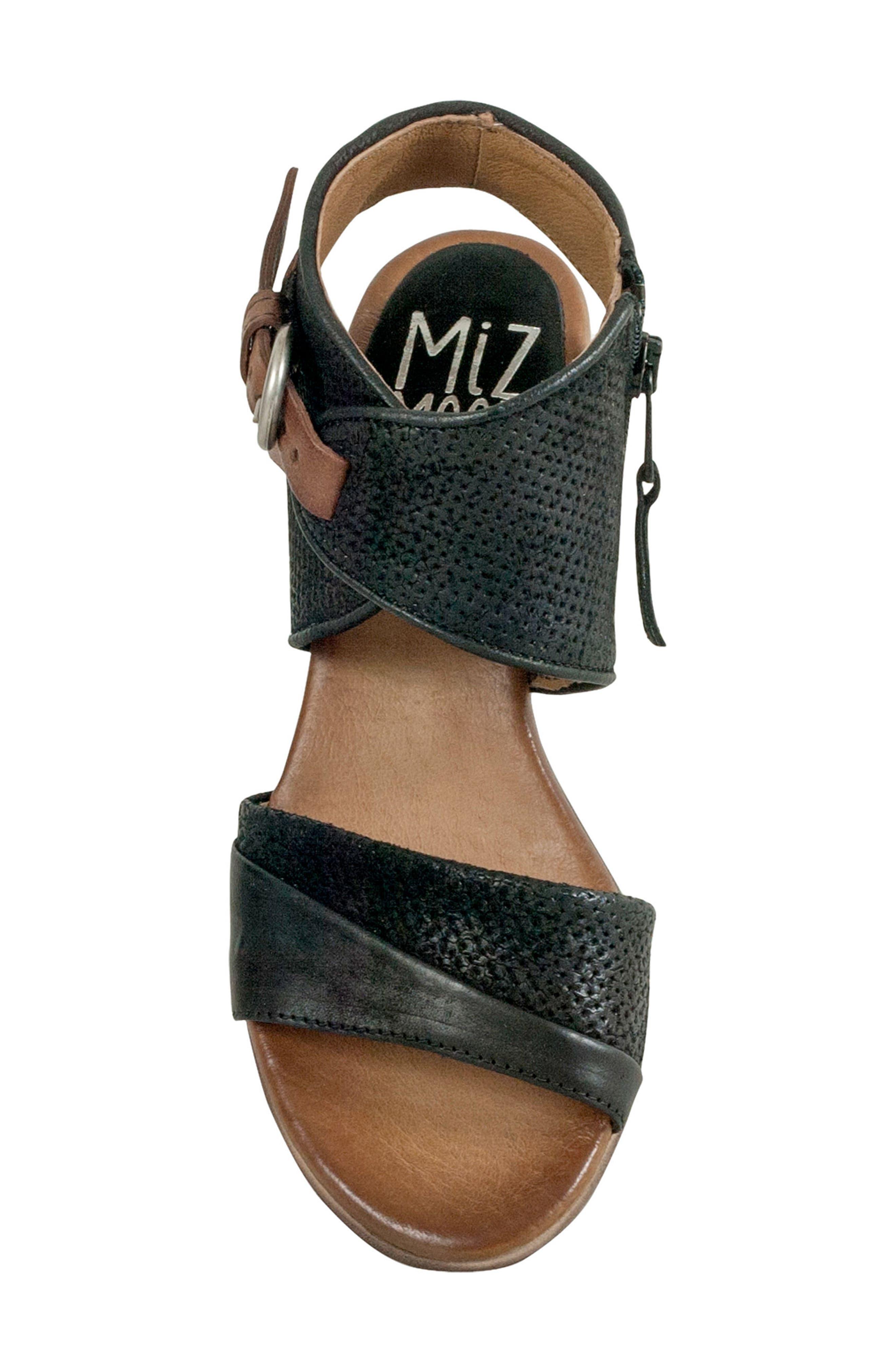 Chatham Textured Sandal,                             Alternate thumbnail 5, color,                             001