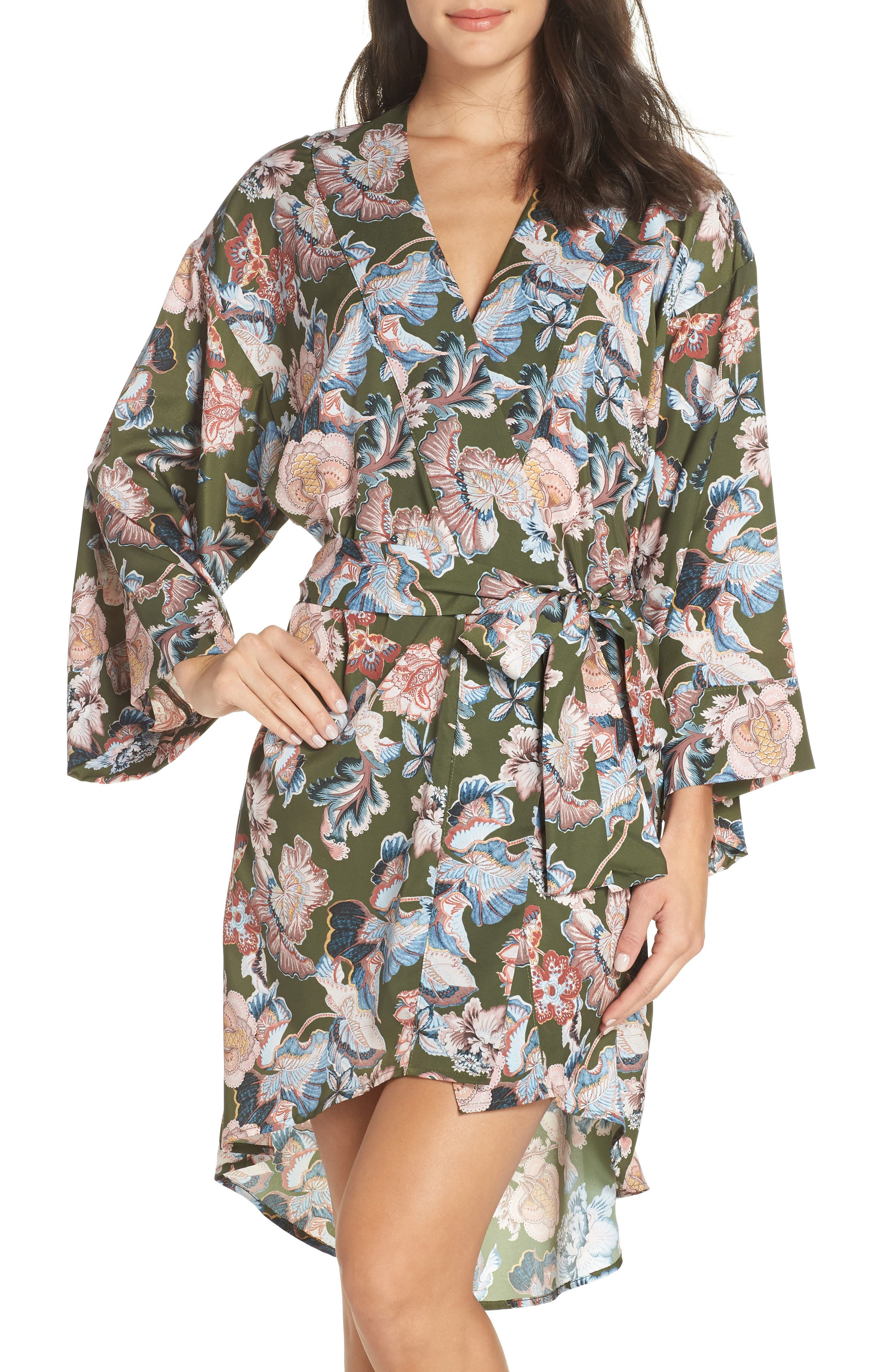 MAISON DU SOIR Leila Short Robe in Olive Floral