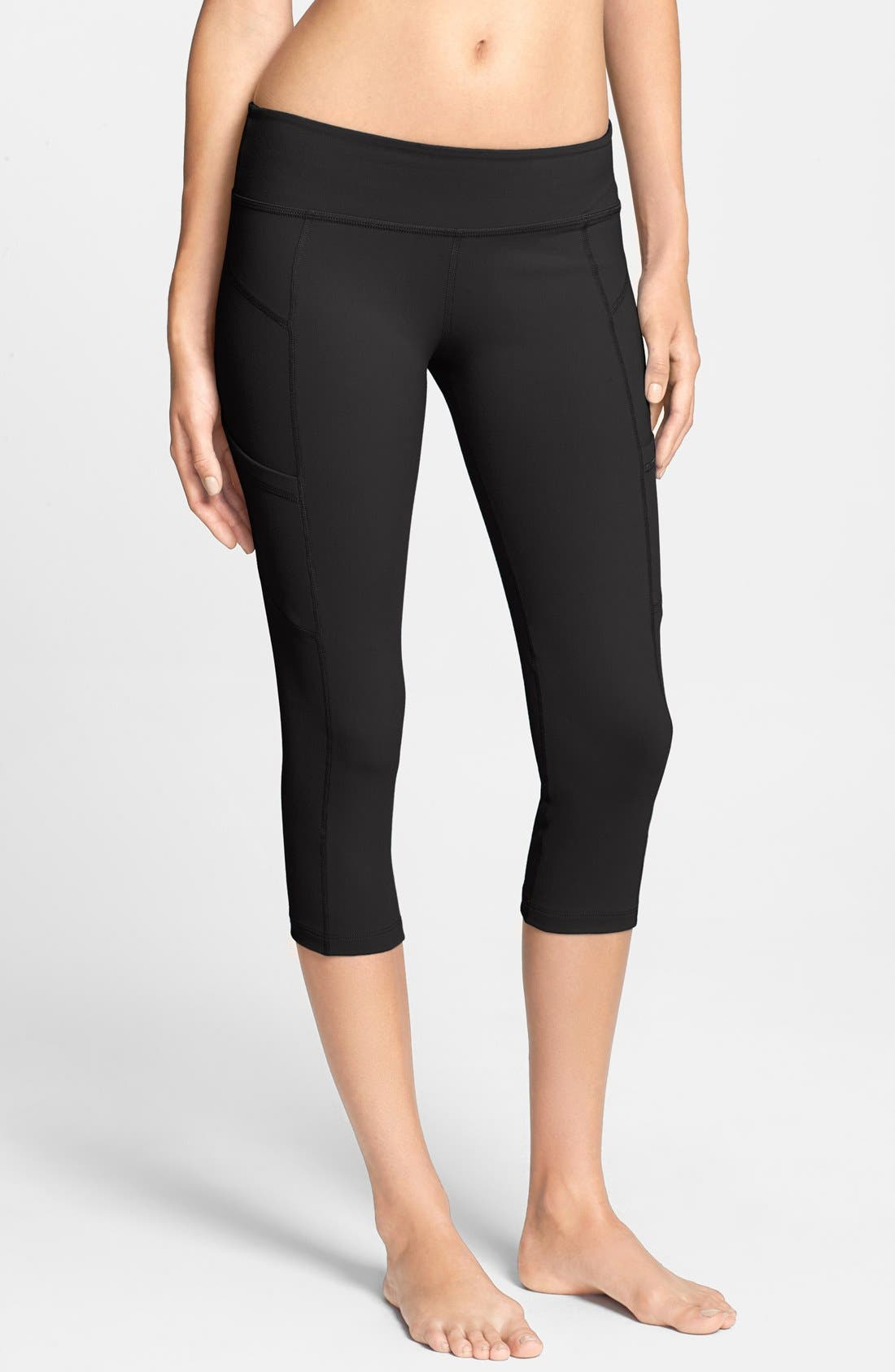 'Slim Me Up' Side Pocket Capri Leggings, Main, color, 001