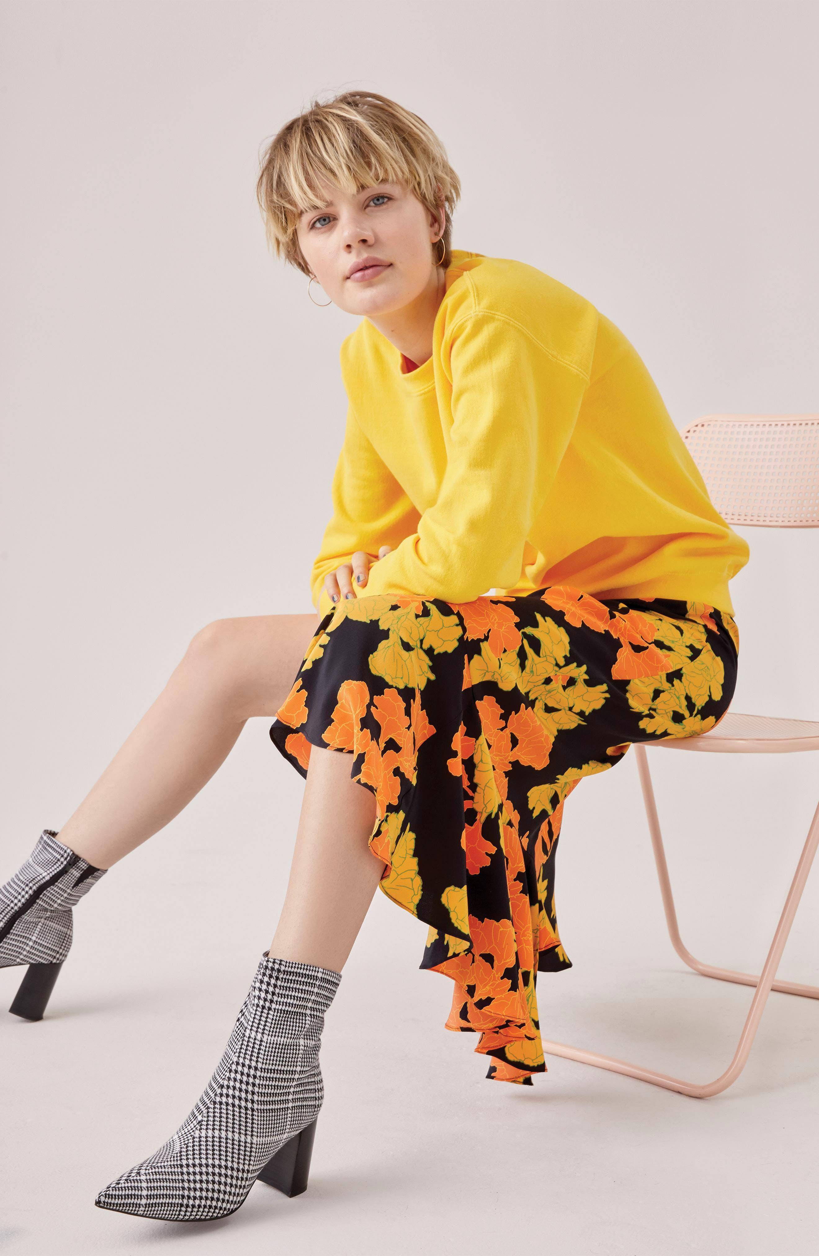 TOPSHOP,                             Printed Midi Skirt,                             Alternate thumbnail 4, color,                             001