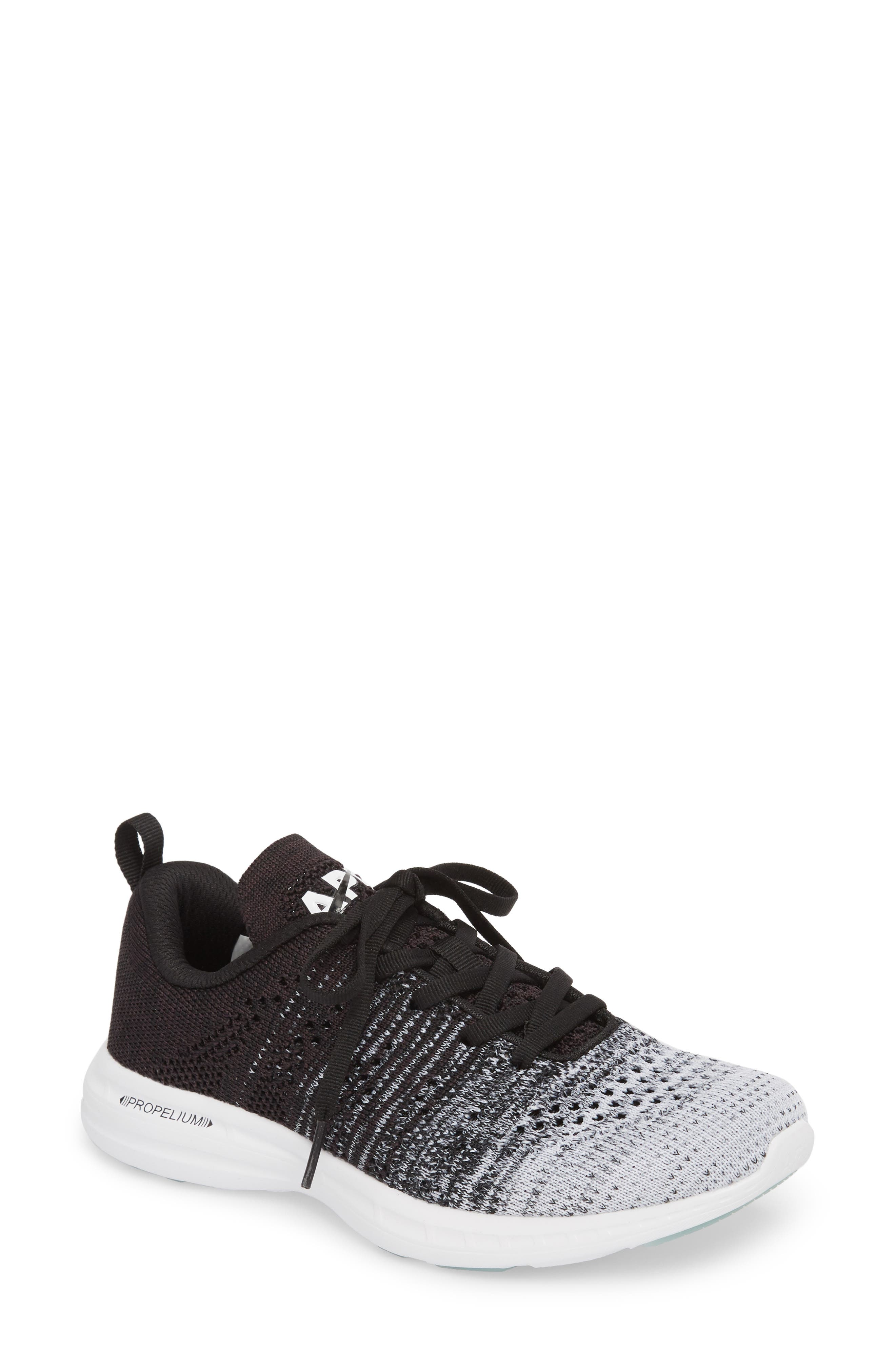 APL ATHLETIC PROPULSION LABS Athletic Propulsion Labs Women'S Techloom Pro Knit Low-Top Sneakers in White/ Heather Grey/ Black