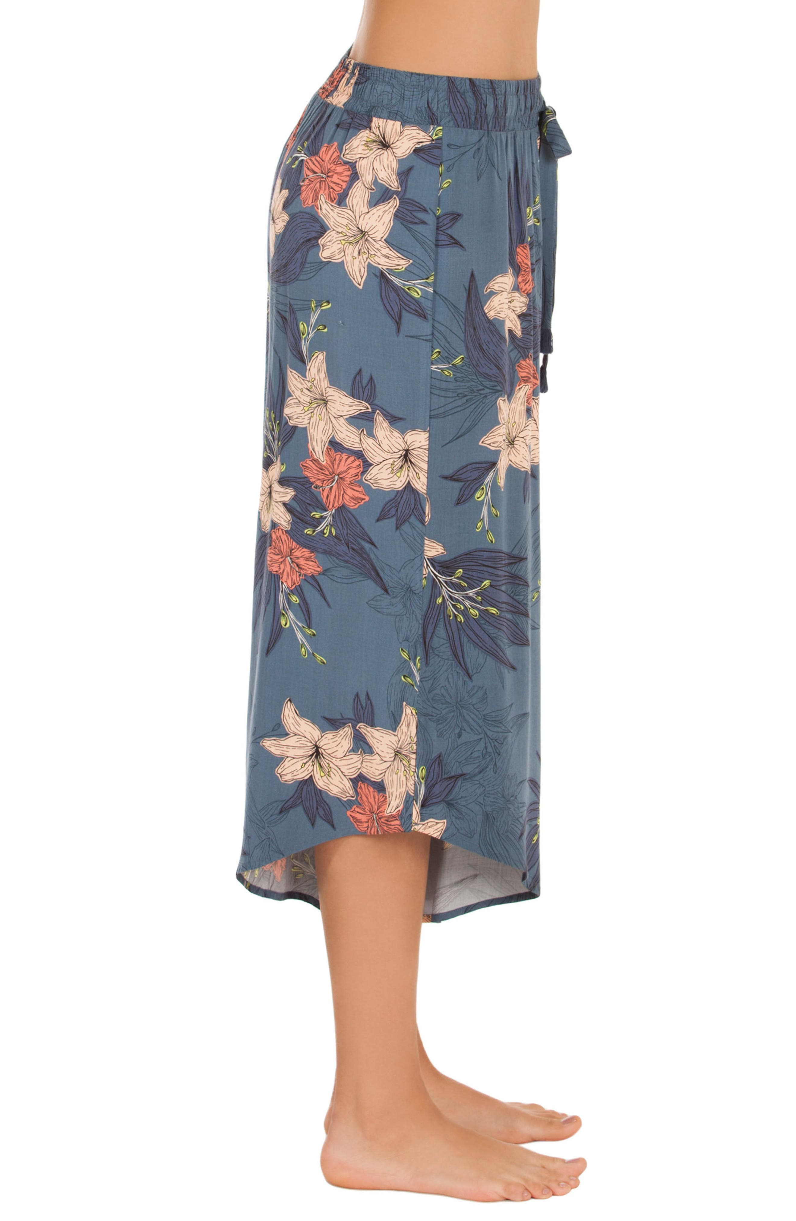 MIDNIGHT BAKERY,                             Floral Crop Pajama Pants,                             Alternate thumbnail 3, color,                             448