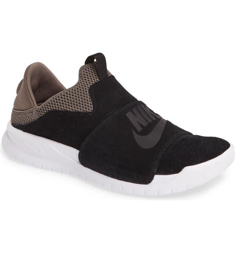 eed01d527b2 Nike Benassi Slip-On (Men)