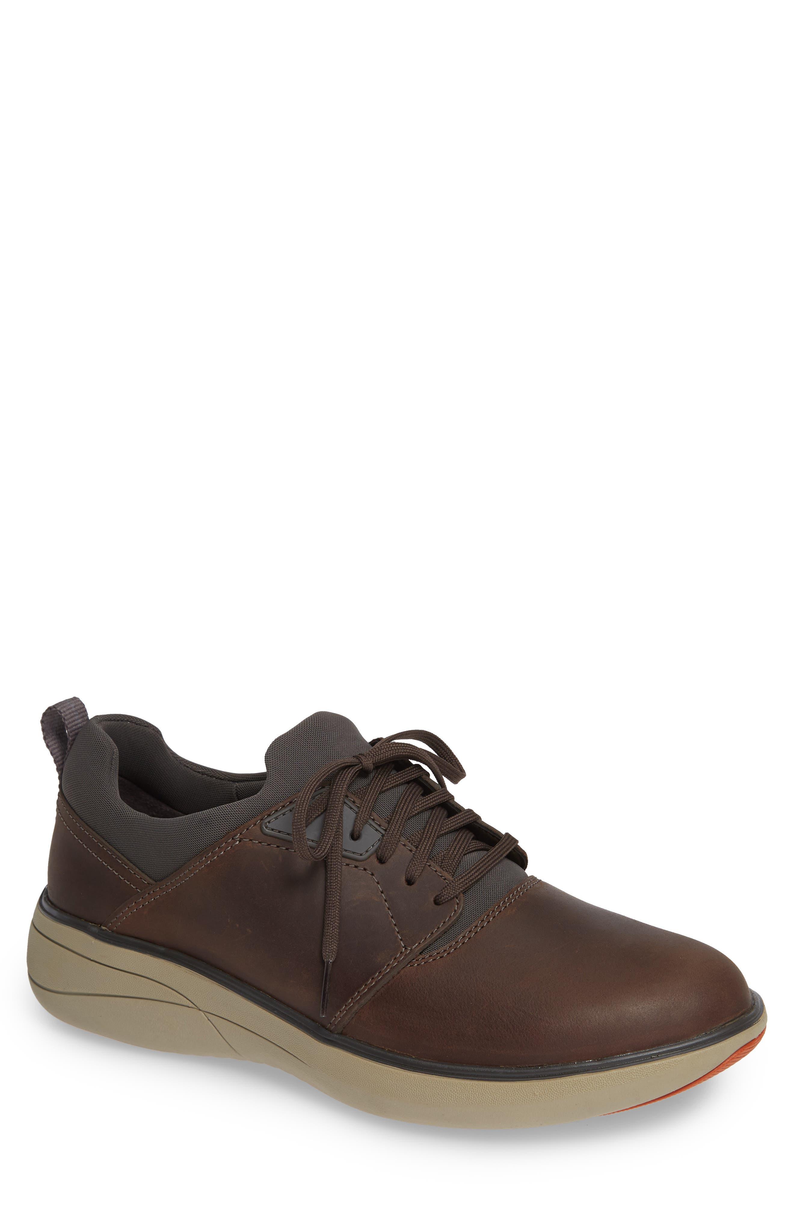Un Rise Lo Sneaker,                         Main,                         color, TAUPE LEATHER