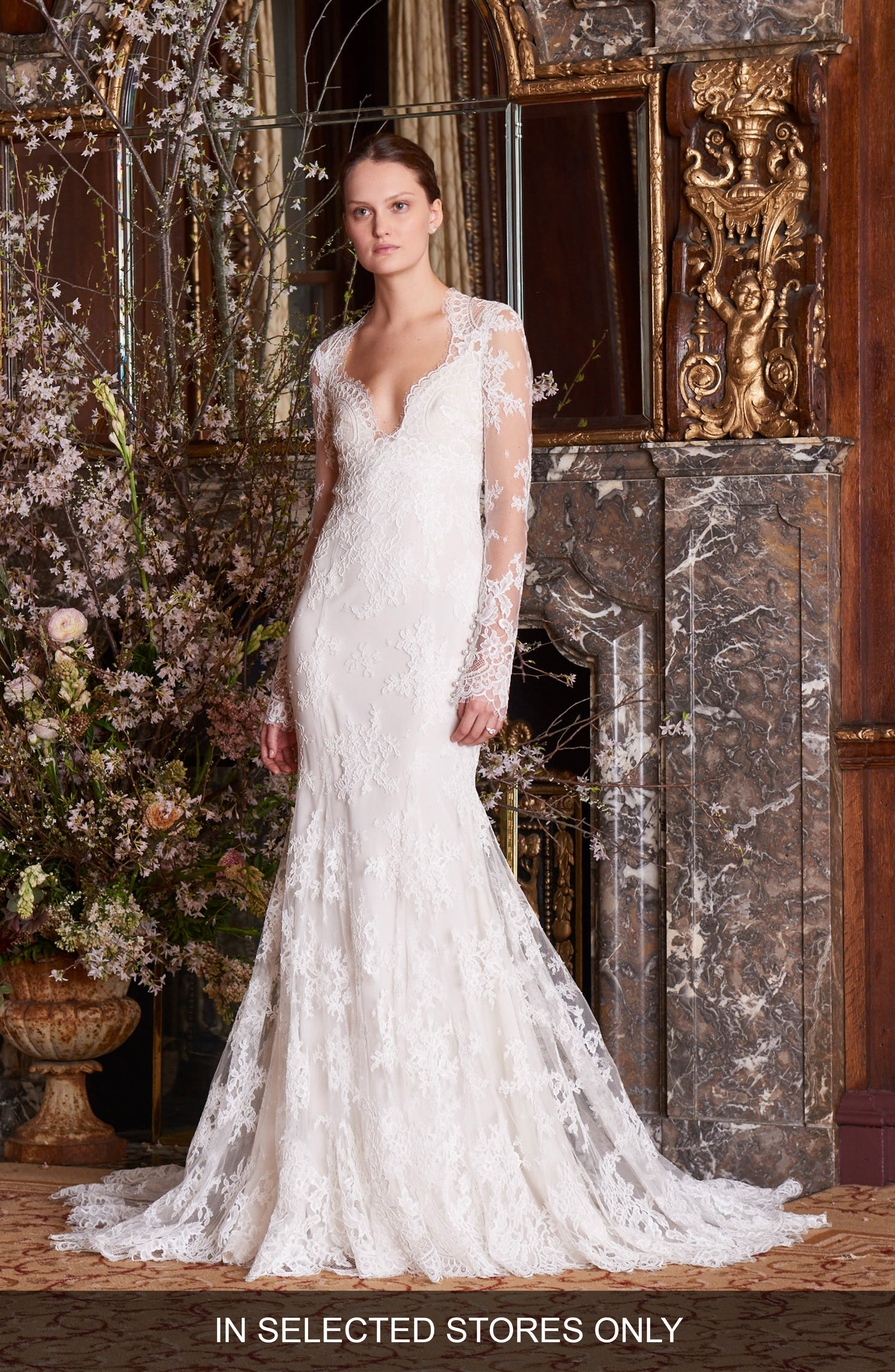 Haven Lace Trumpet Gown in Silk White/ Ivory