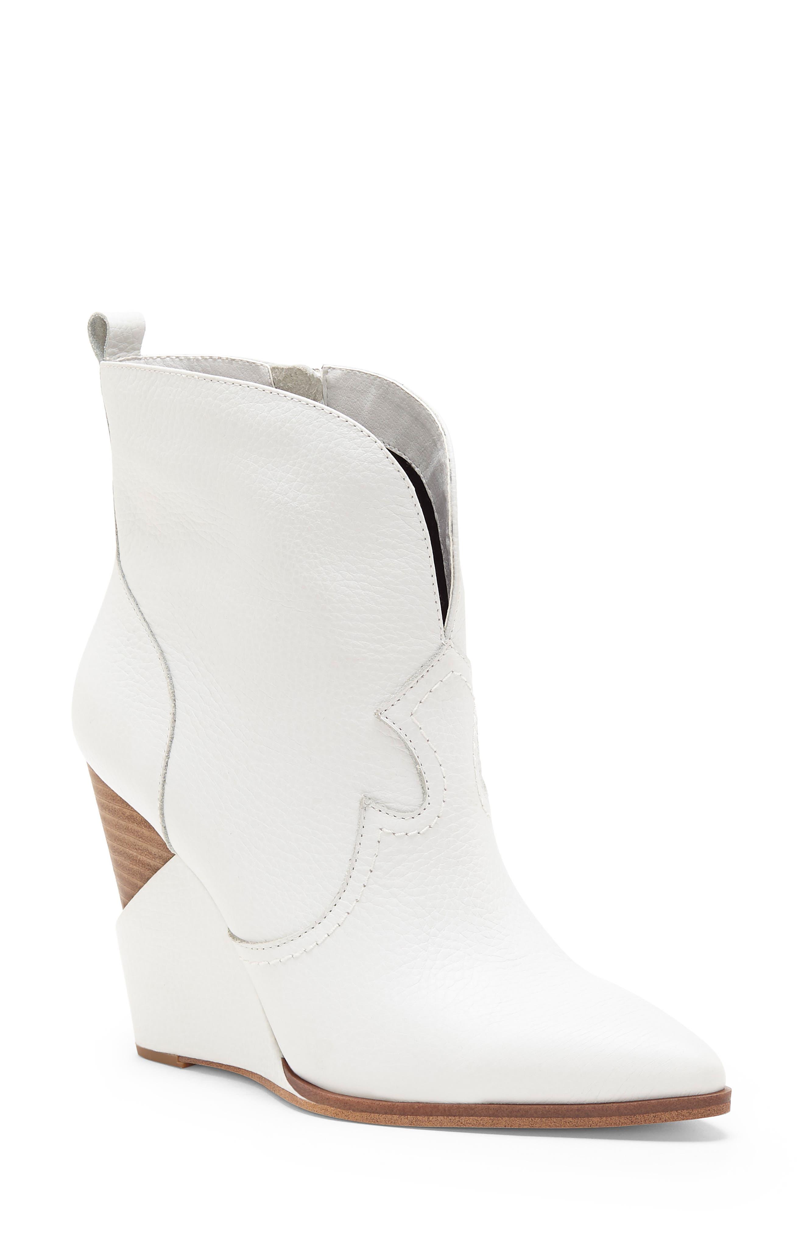 Jessica Simpson Hilrie Bootie- White