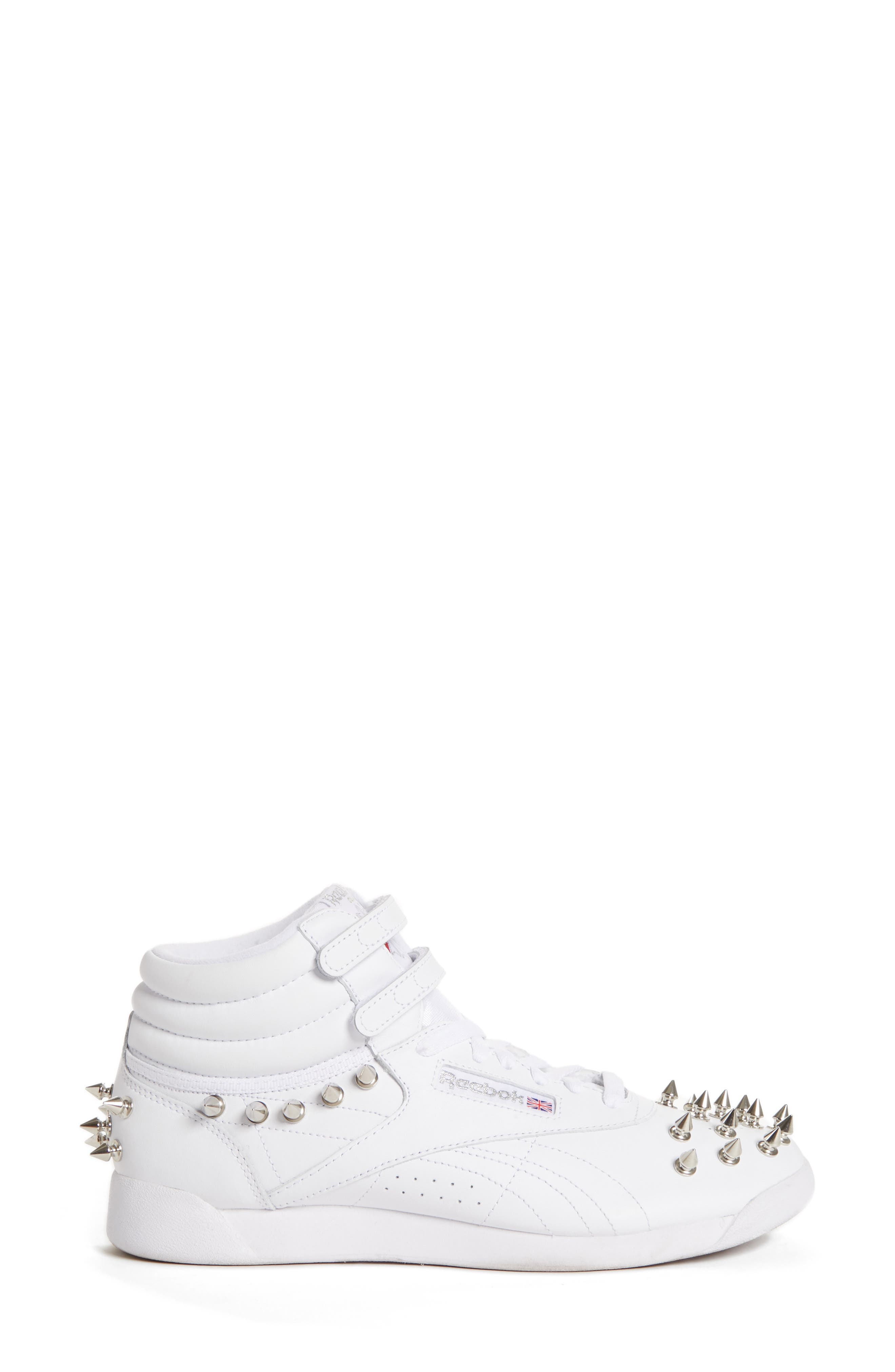 x Reebok Studded Sneaker,                             Alternate thumbnail 3, color,                             WHITE