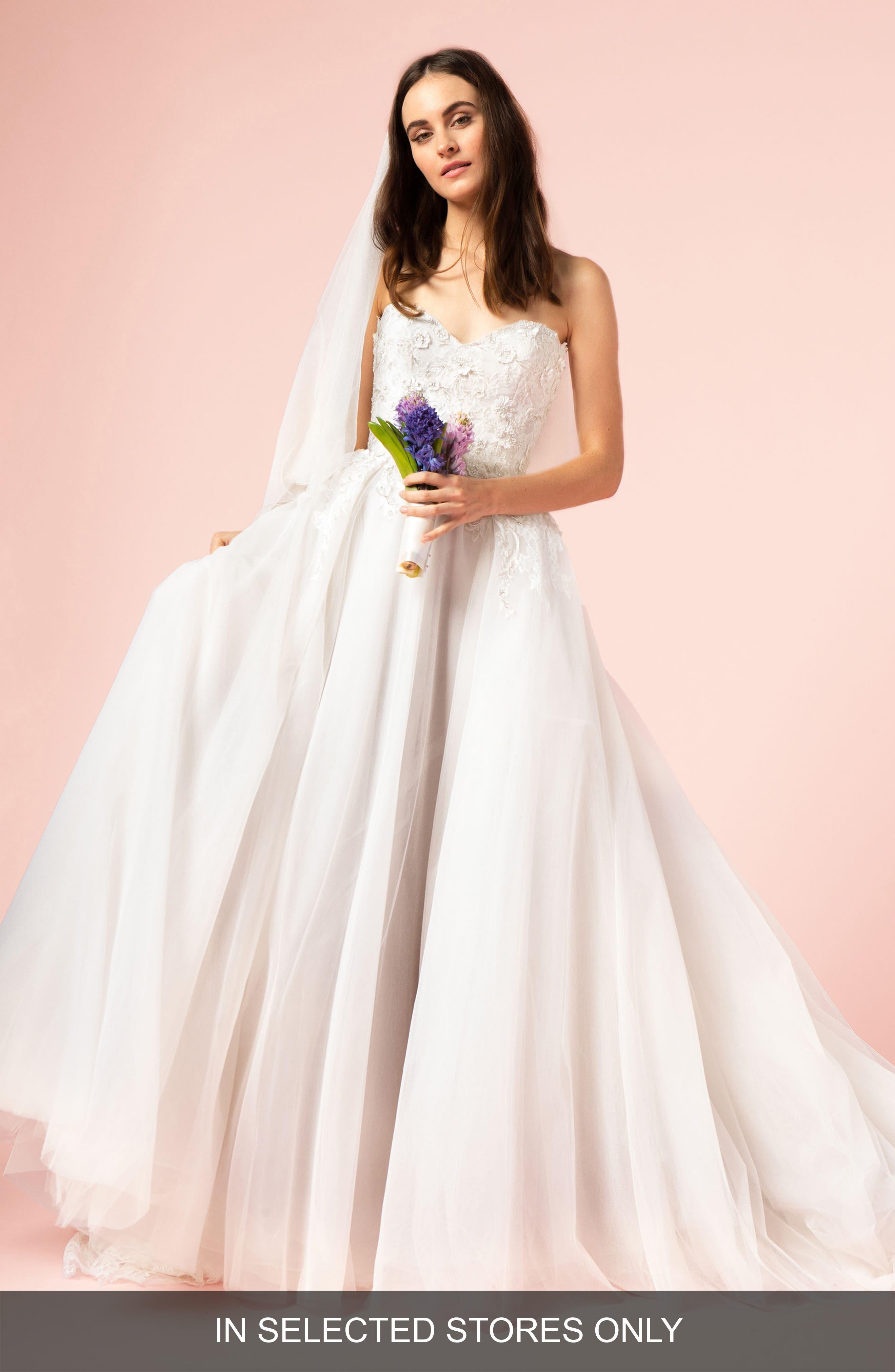 BLISS MONIQUE LHUILLIER Strapless Sweetheart Gown, Main, color, SILK WHITE/LATTE