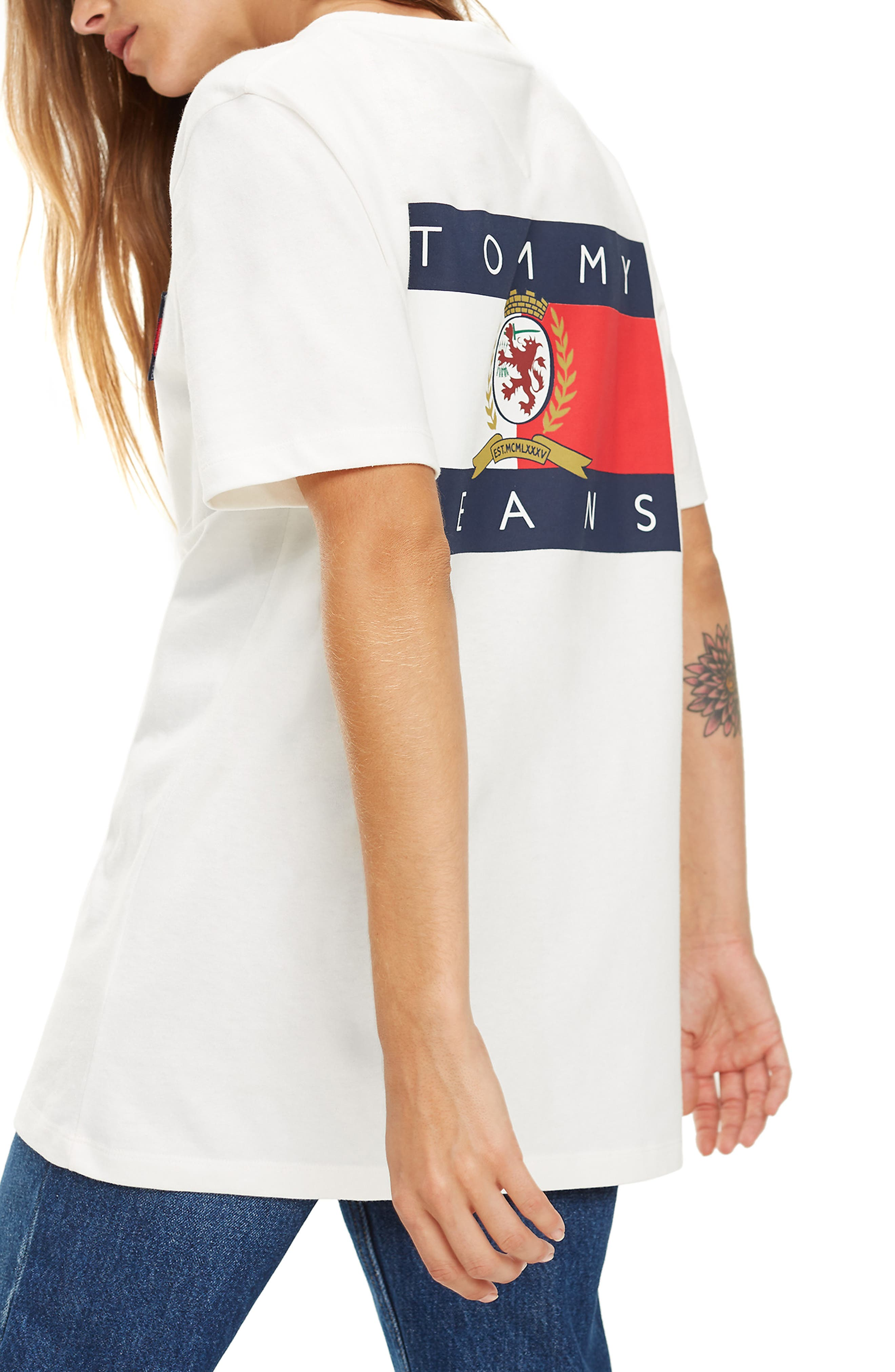 TOMMY JEANS,                             Crest Capsule Flag Tee,                             Alternate thumbnail 2, color,                             100