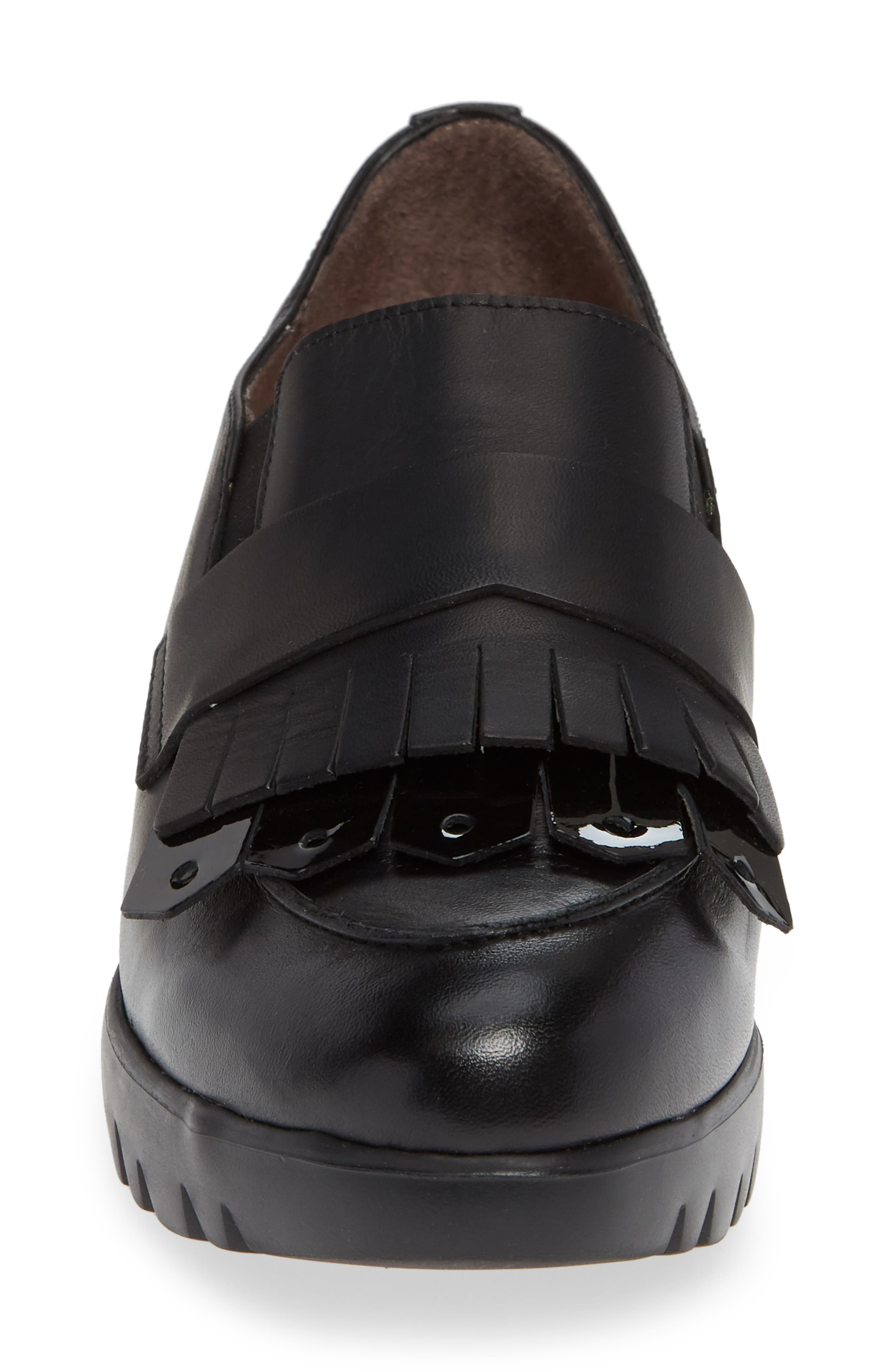 Kiltie Wedge Loafer,                             Alternate thumbnail 4, color,                             BLACK PATENT AND LEATHER